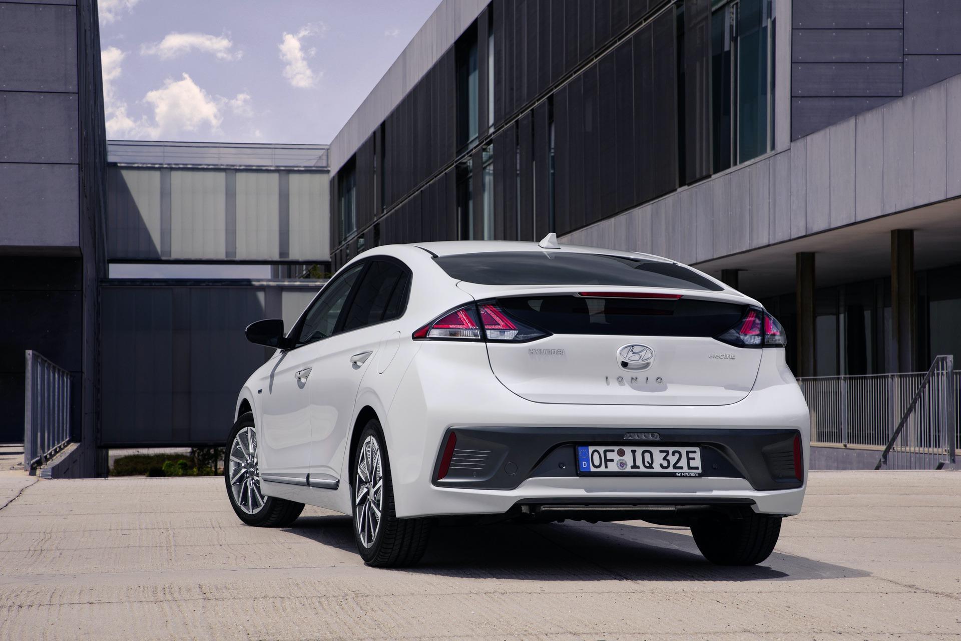 New-Hyundai-IONIQ-Electric-4