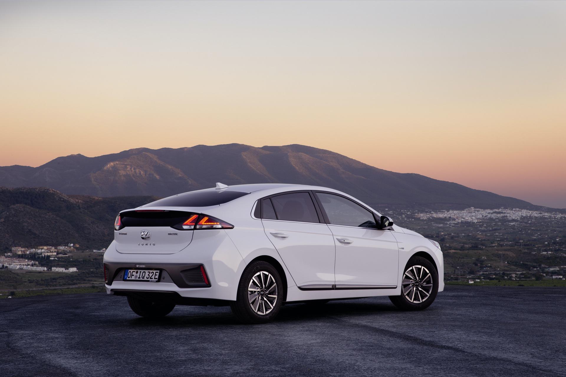 New-Hyundai-IONIQ-Electric-6