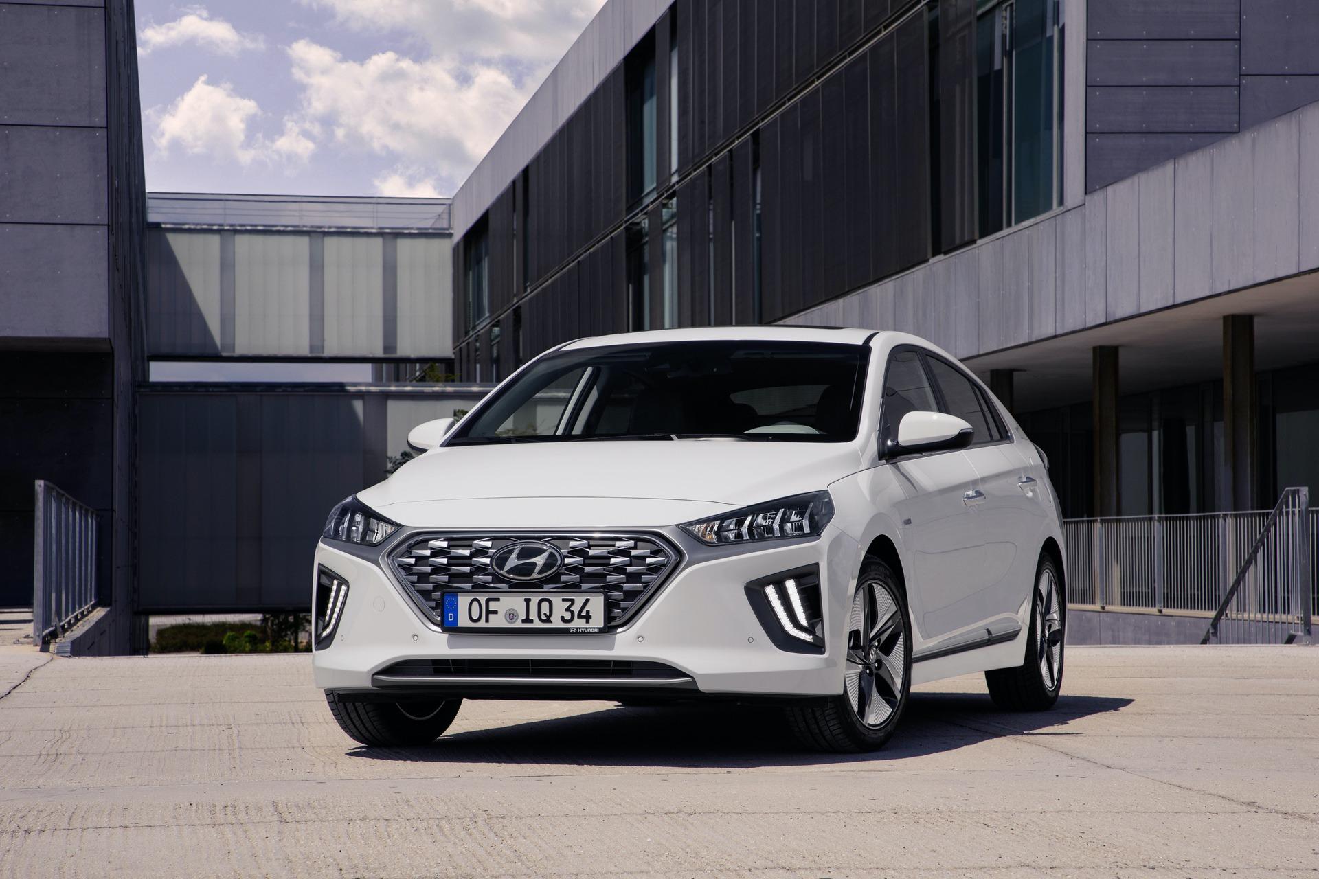 New-Hyundai-IONIQ-Hybrid-5