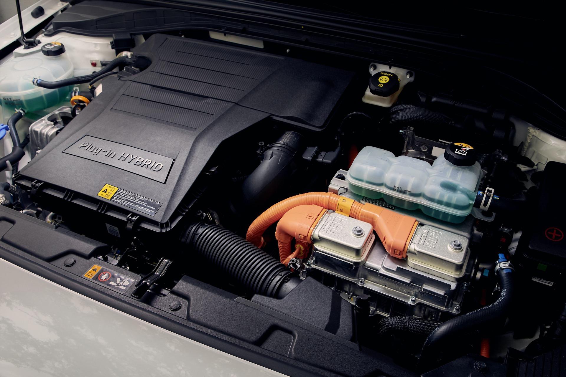 New-Hyundai-IONIQ-Plug-in-19