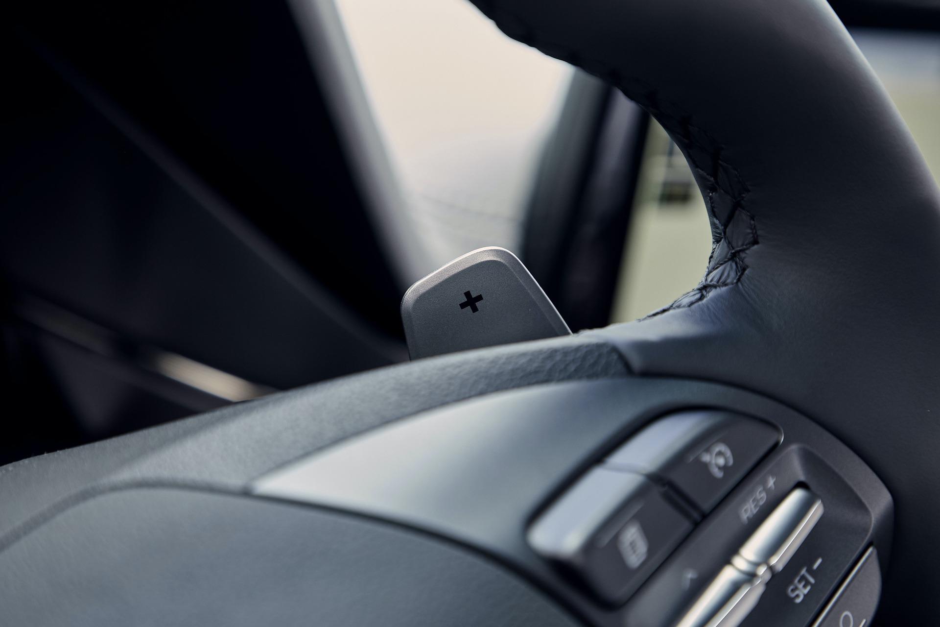 New-Hyundai-IONIQ-Plug-in-Interior-3