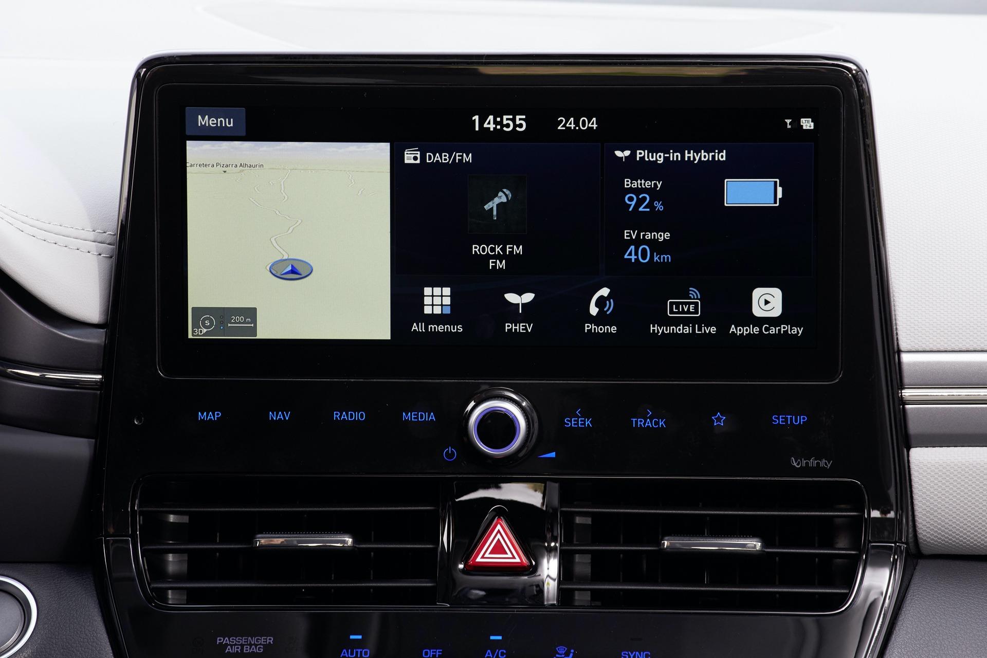 New-Hyundai-IONIQ-Plug-in-Interior-4