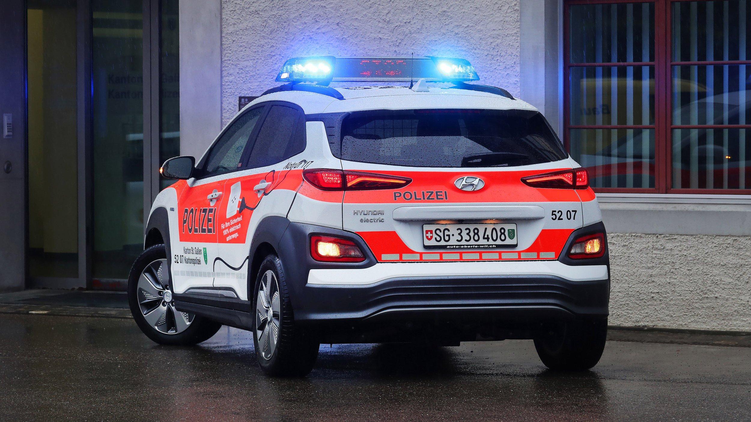 Hyundai_Kona_Electric_Police_0001