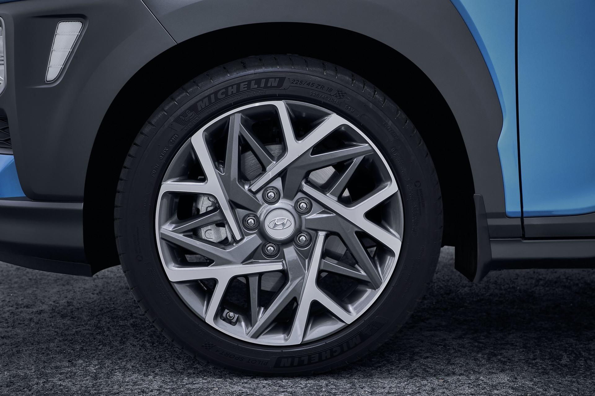 2020_Hyundai_Kona_Hybrid_0011