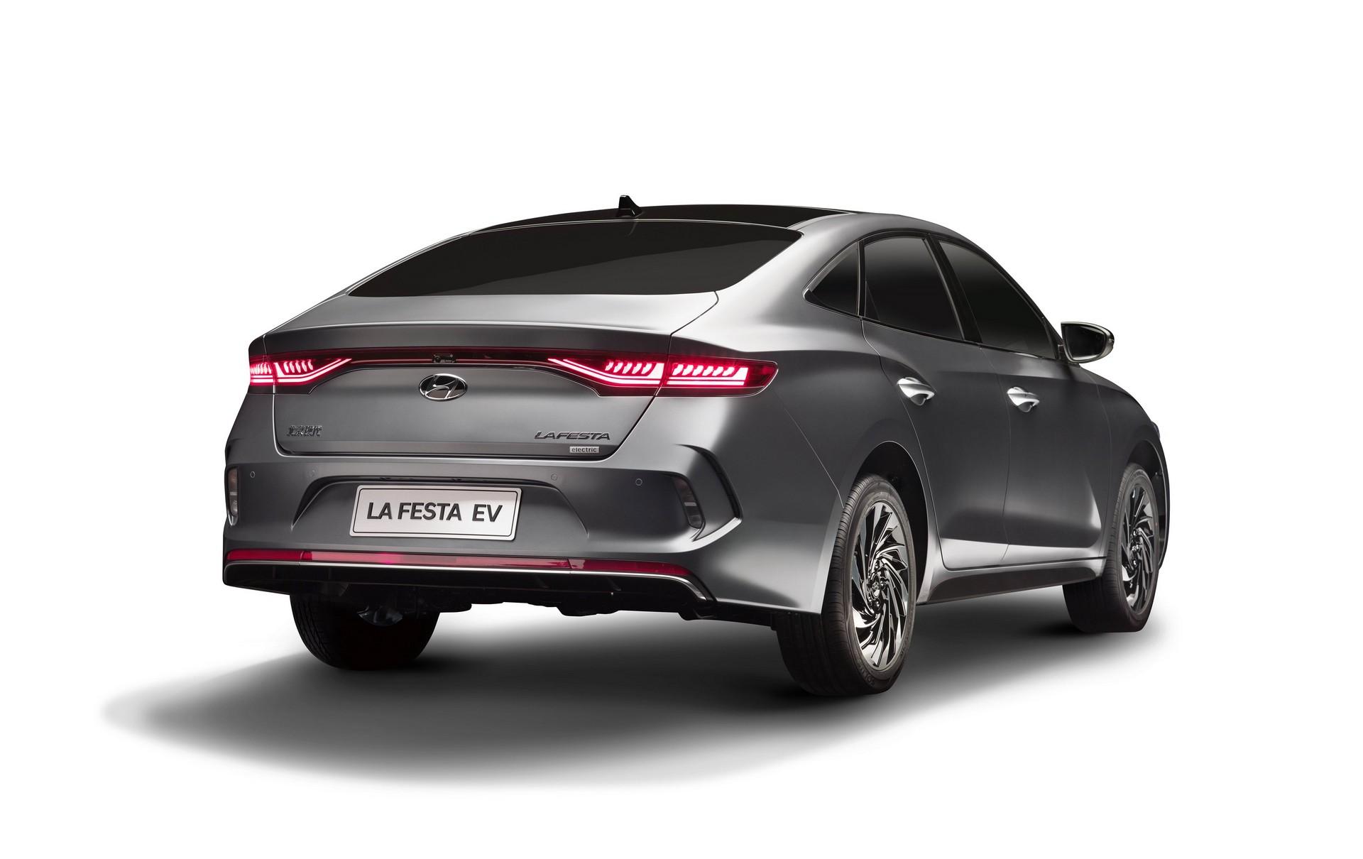 Hyundai_Lafesta_electric_0003