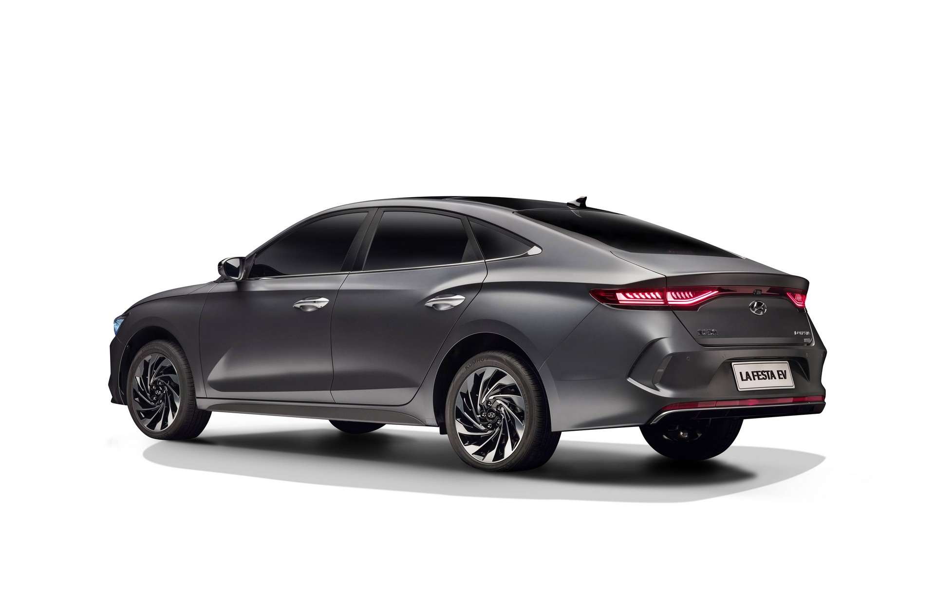 Hyundai_Lafesta_electric_0004