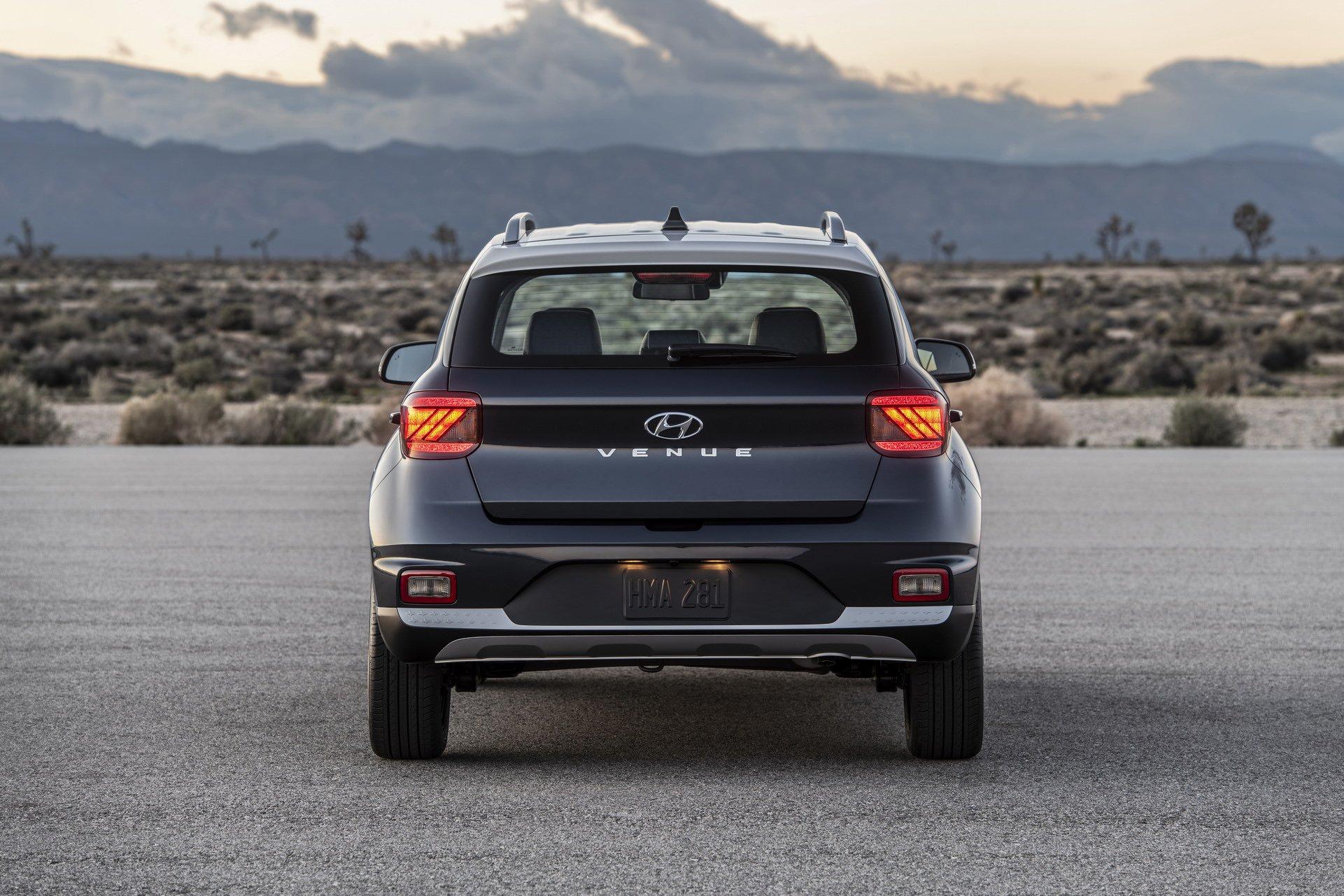 Hyundai-Venue-14