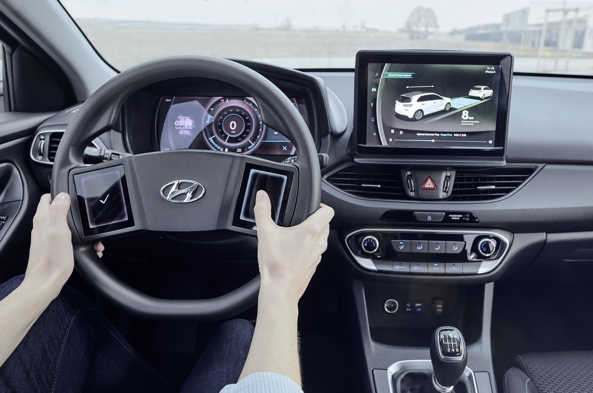 Hyundai-Virtual-cockpit-2019-Hyundai_TechDay_i30_Workshop_238-1