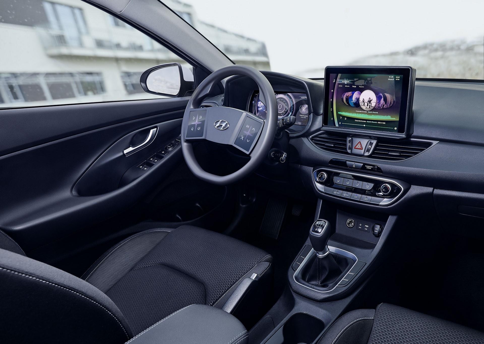 Hyundai-Virtual-cockpit-2019-Hyundai_TechDay_i30_Workshop_238-3
