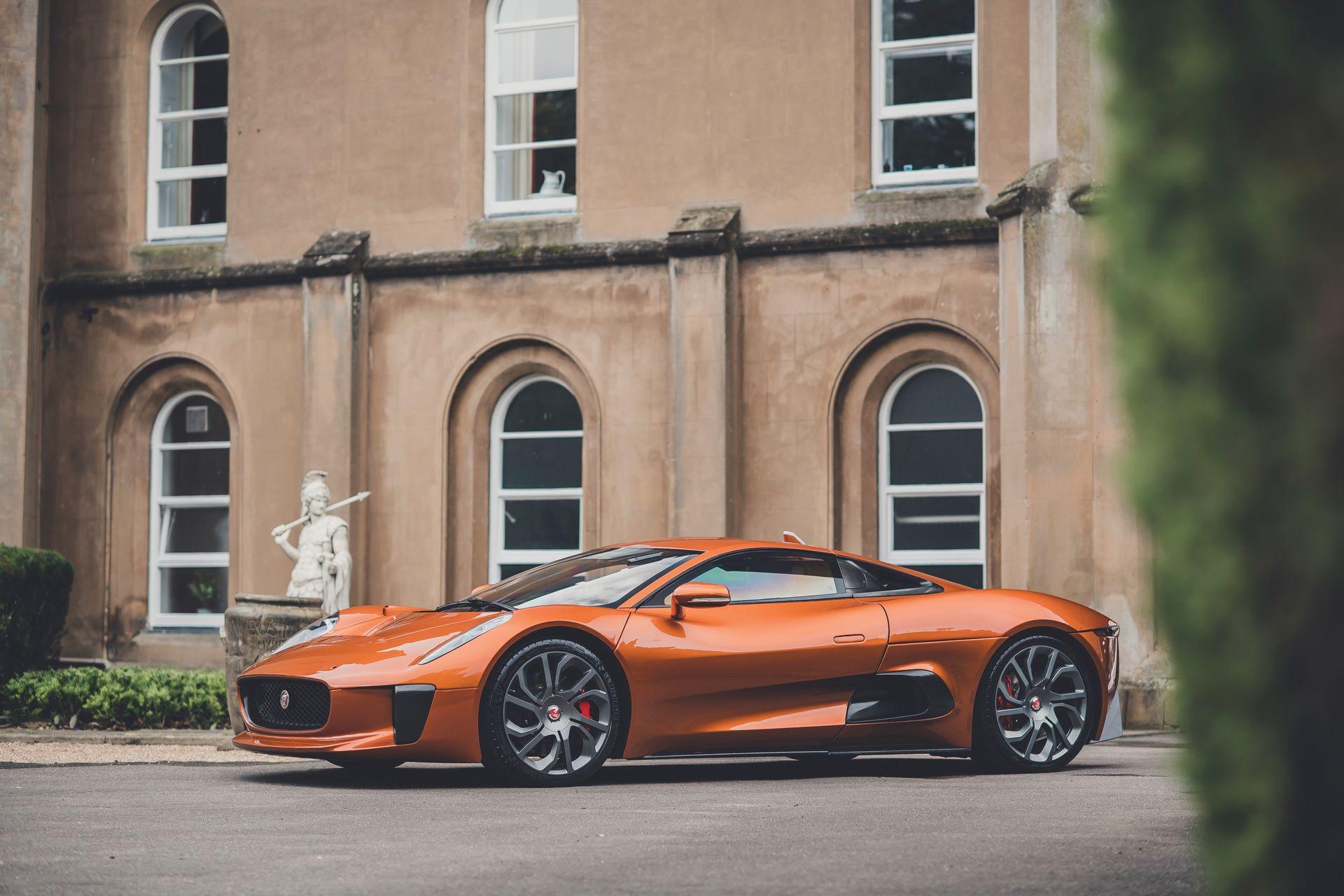 Jaguar-C-X75-Spectre-James-Bond-1