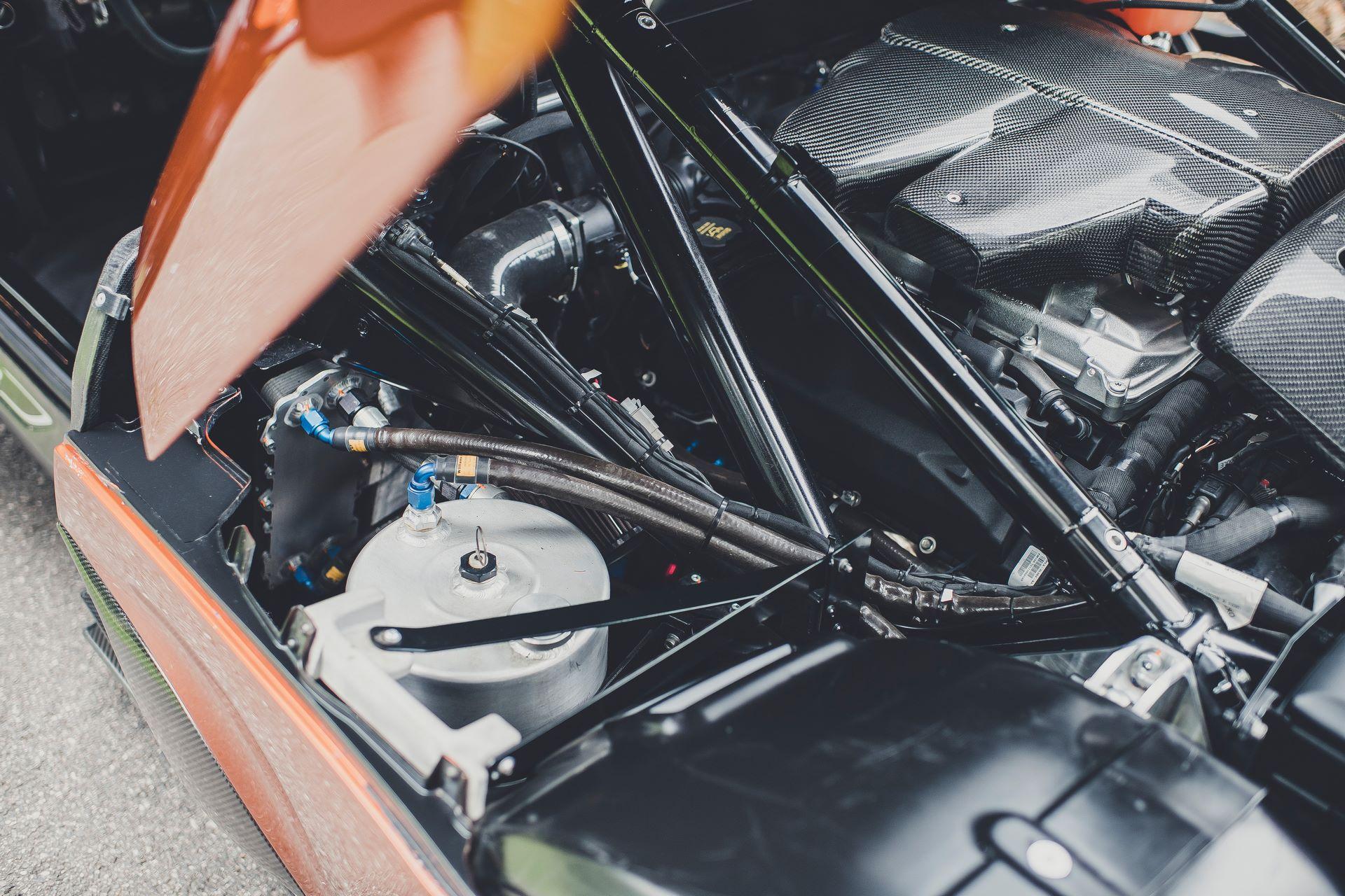 Jaguar-C-X75-Spectre-James-Bond-40