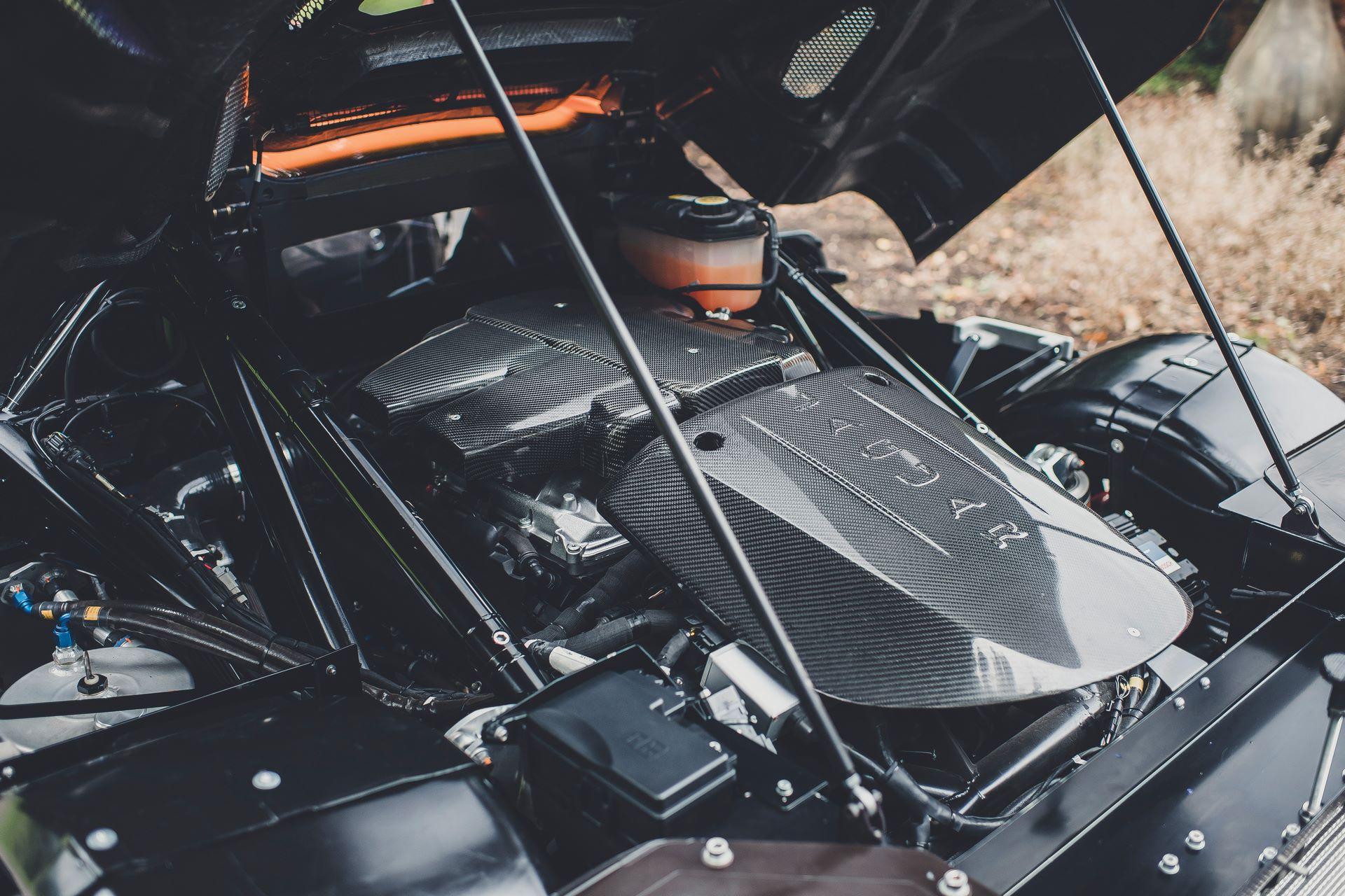 Jaguar-C-X75-Spectre-James-Bond-9