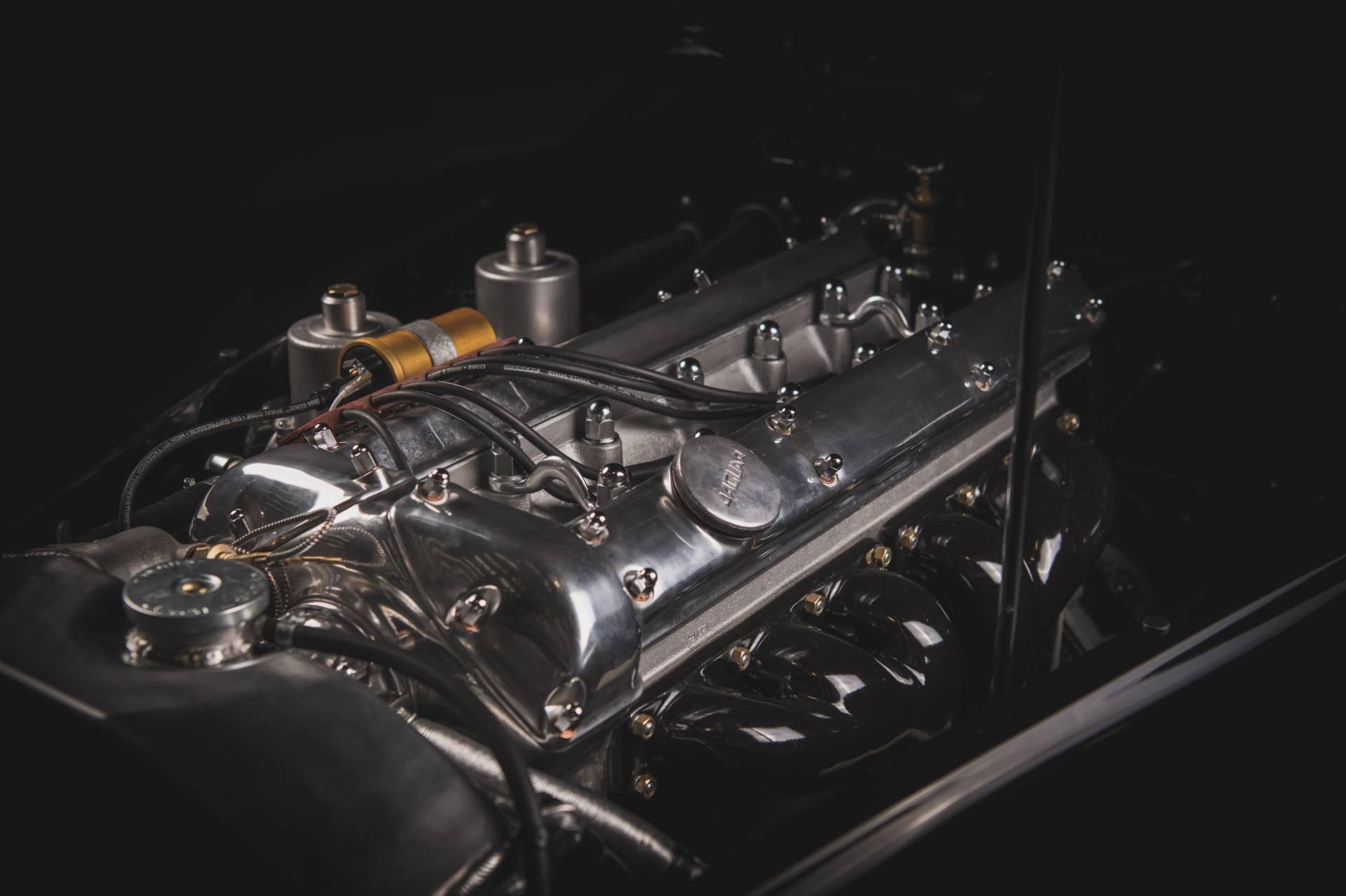 Jaguar-XK120-1954-restored.-6