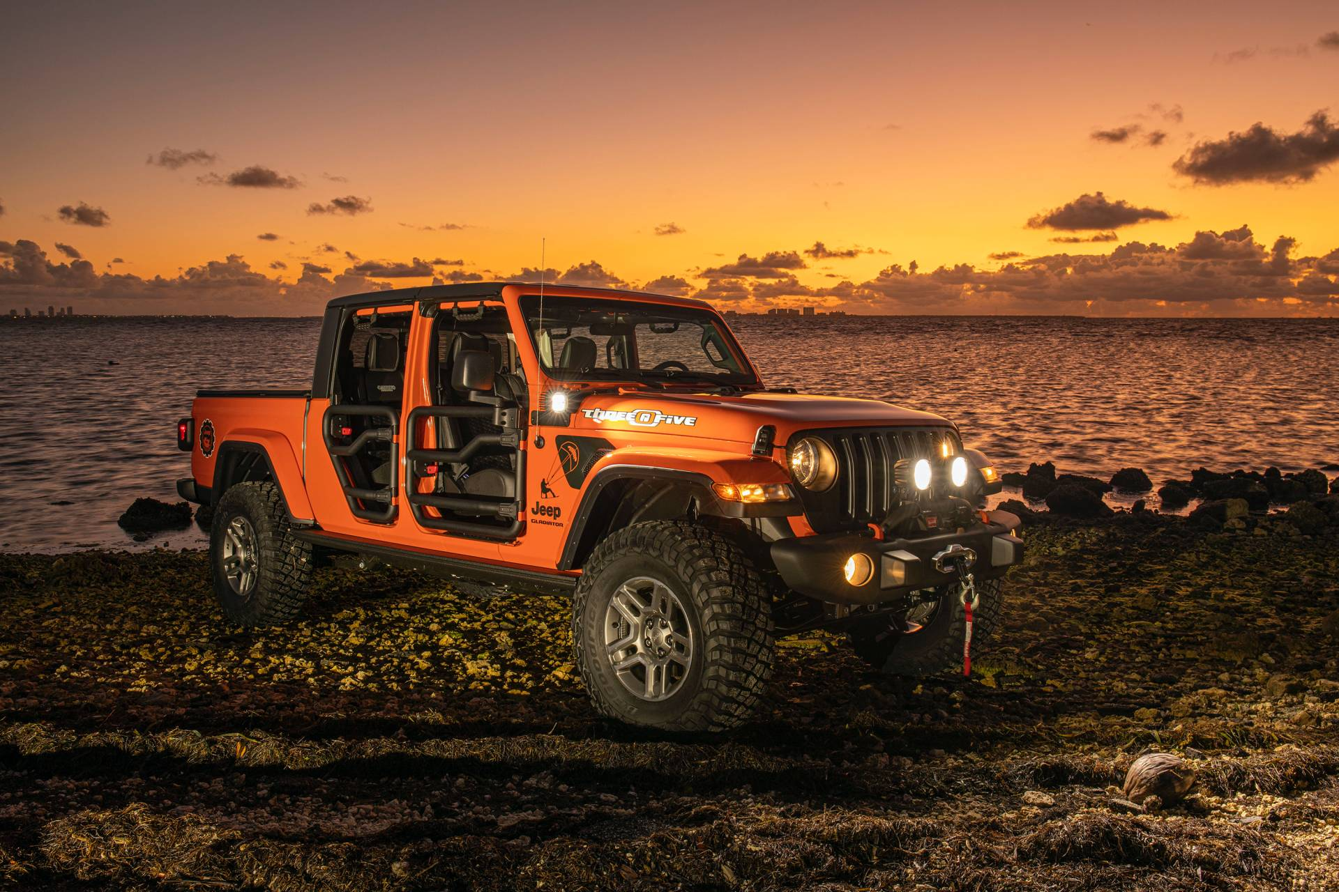 "2020-jeep-gladiator-""three-o-five""-edition-1"
