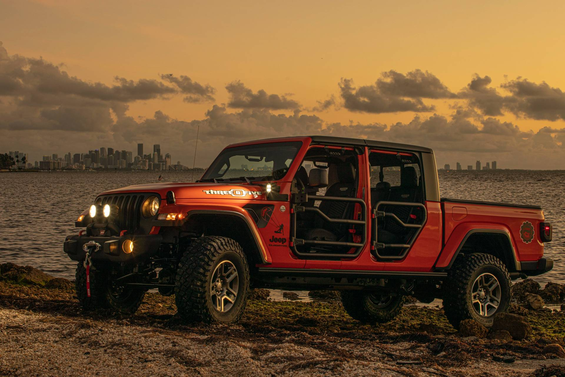"2020-jeep-gladiator-""three-o-five""-edition-2"