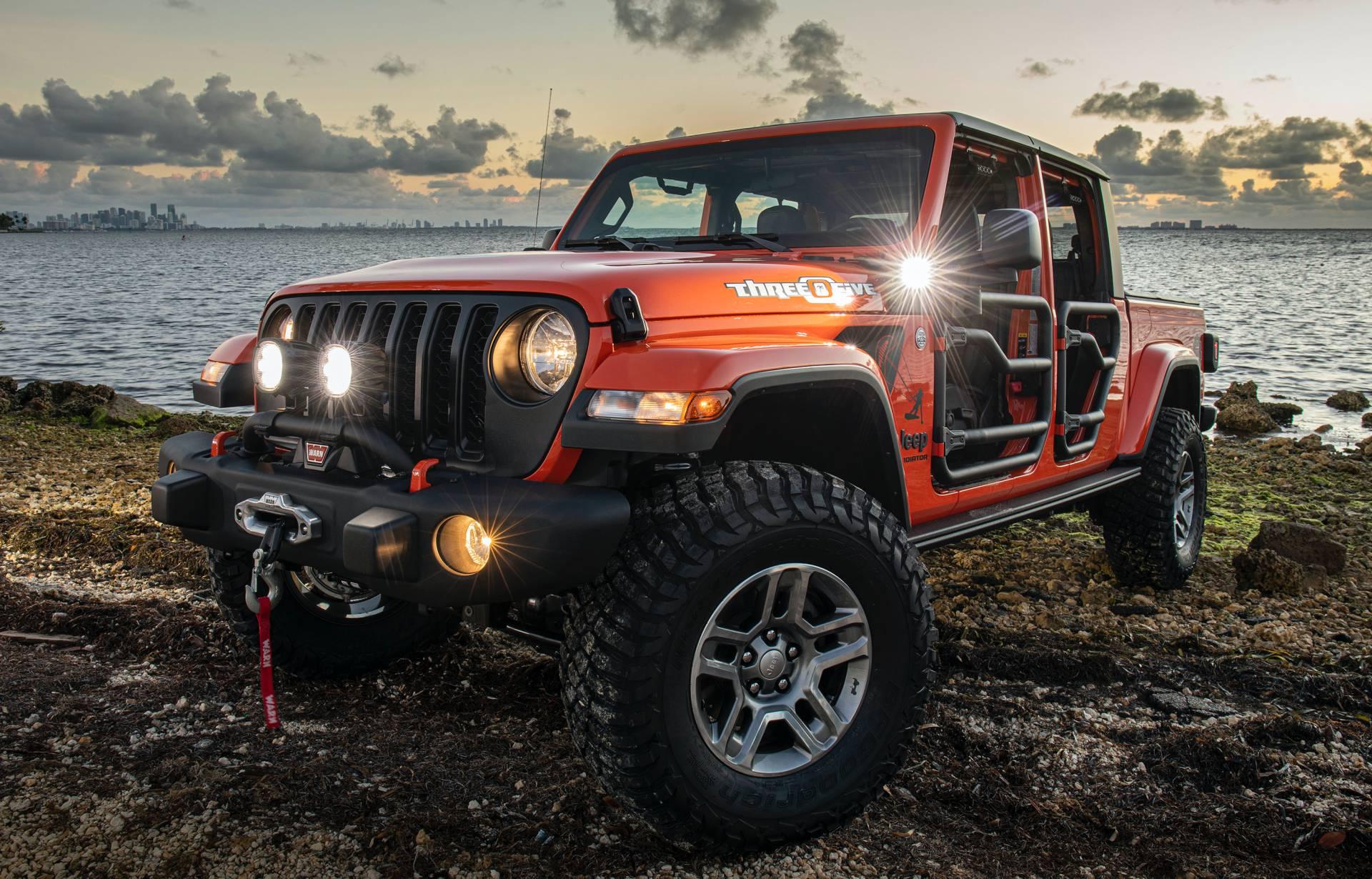 "2020-jeep-gladiator-""three-o-five""-edition-3"