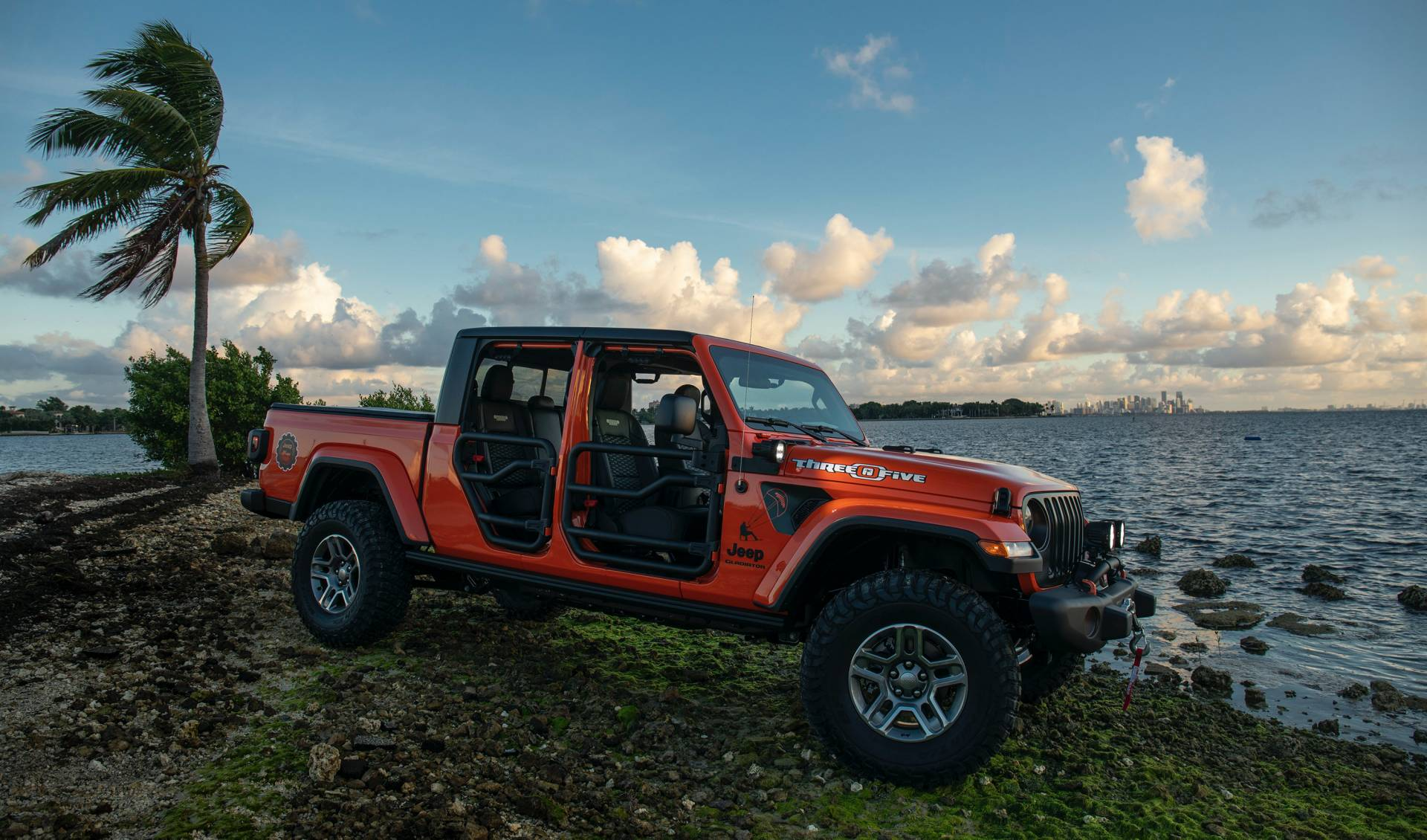 "2020-jeep-gladiator-""three-o-five""-edition-4"