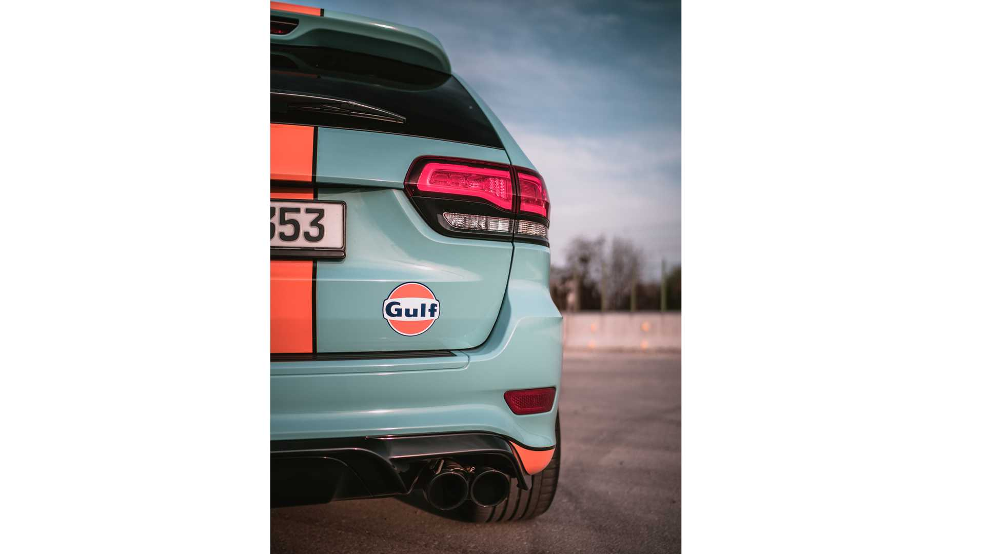 jeep-grand-cherokee-trackhawk-gulf-40-by-geigercars-10