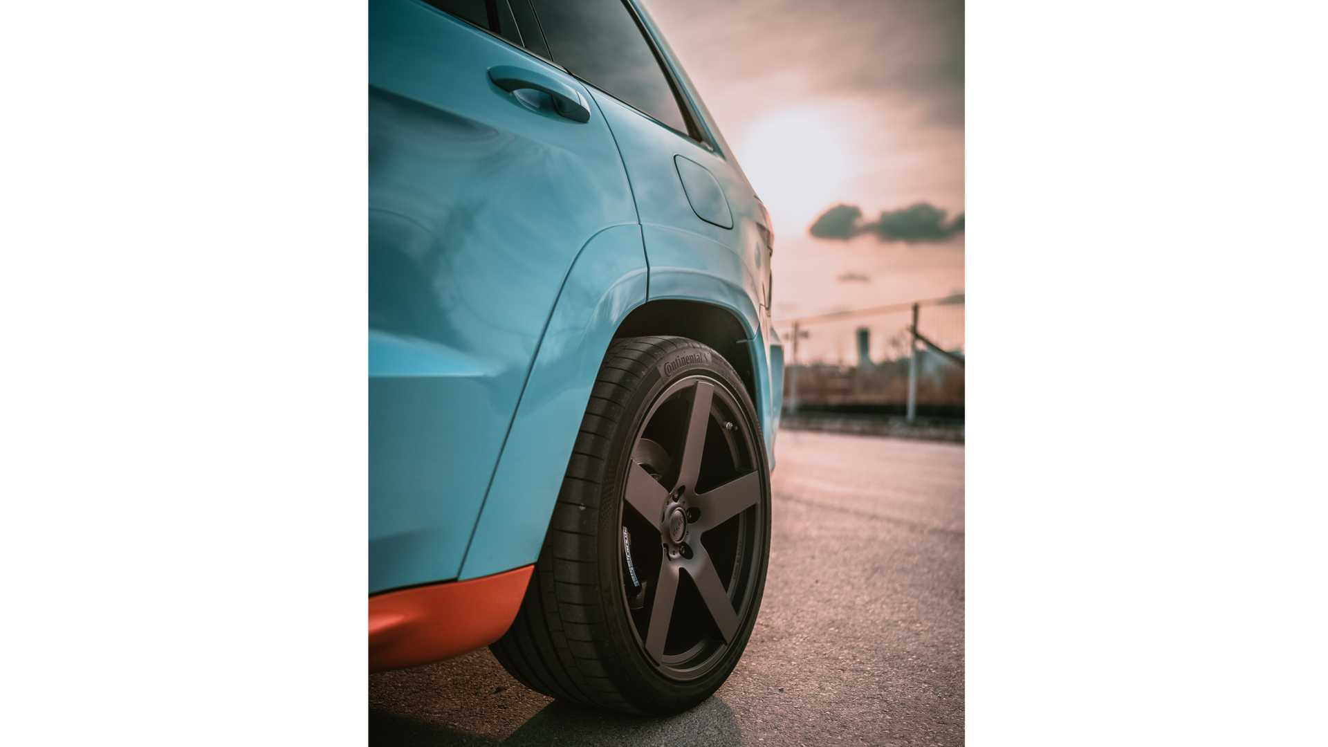 jeep-grand-cherokee-trackhawk-gulf-40-by-geigercars-9