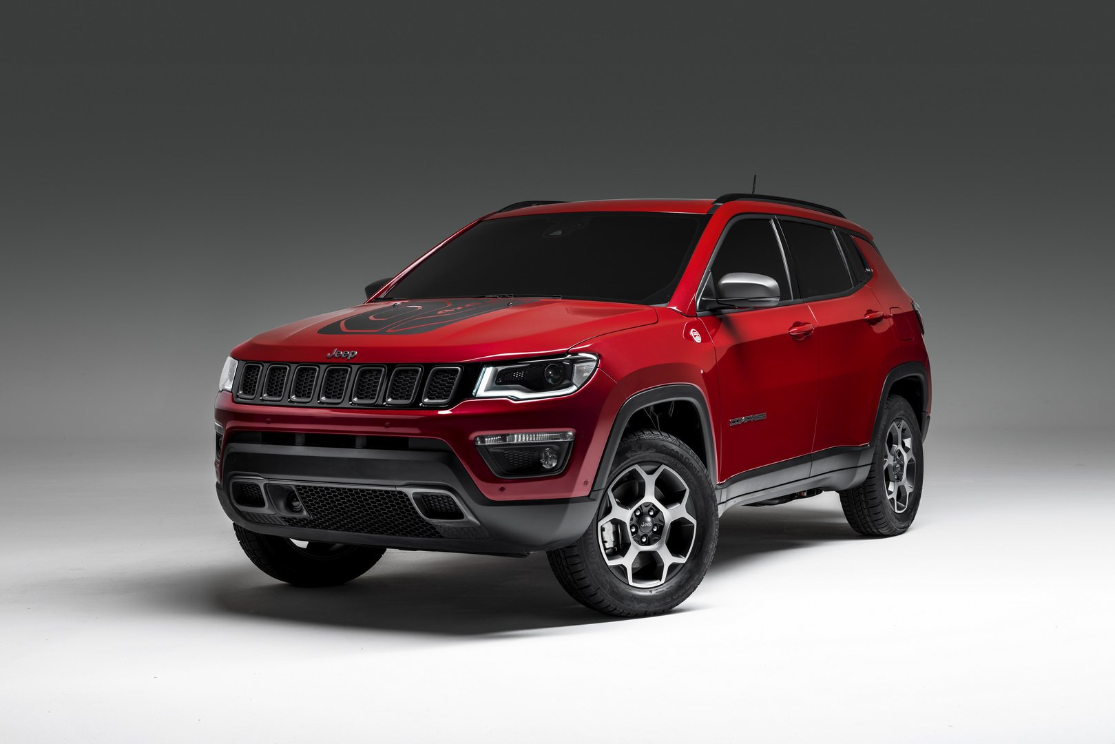 93f7d801-2019-jeep-compass-phev-1