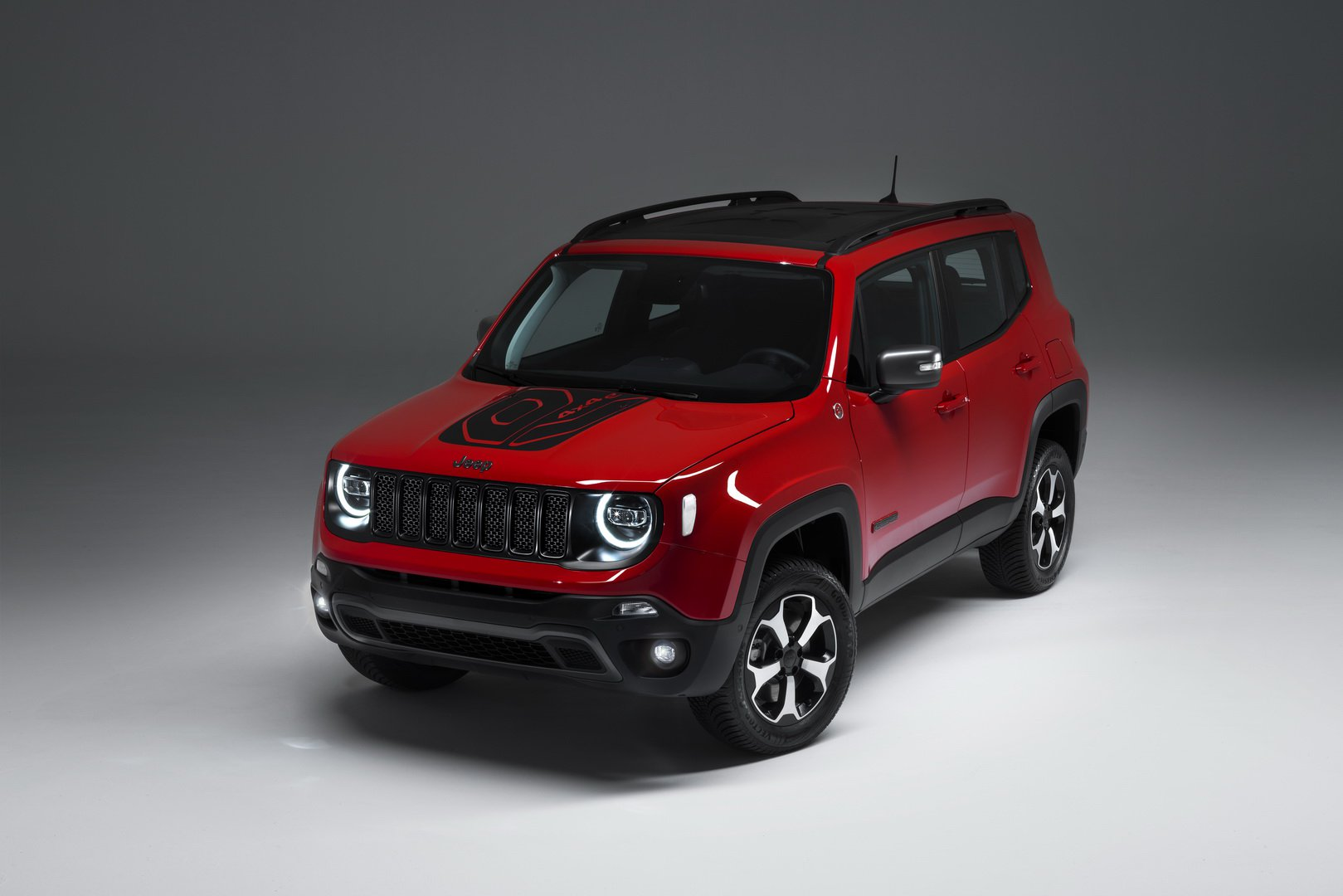 a07a85ec-2019-jeep-renegade-phev-4