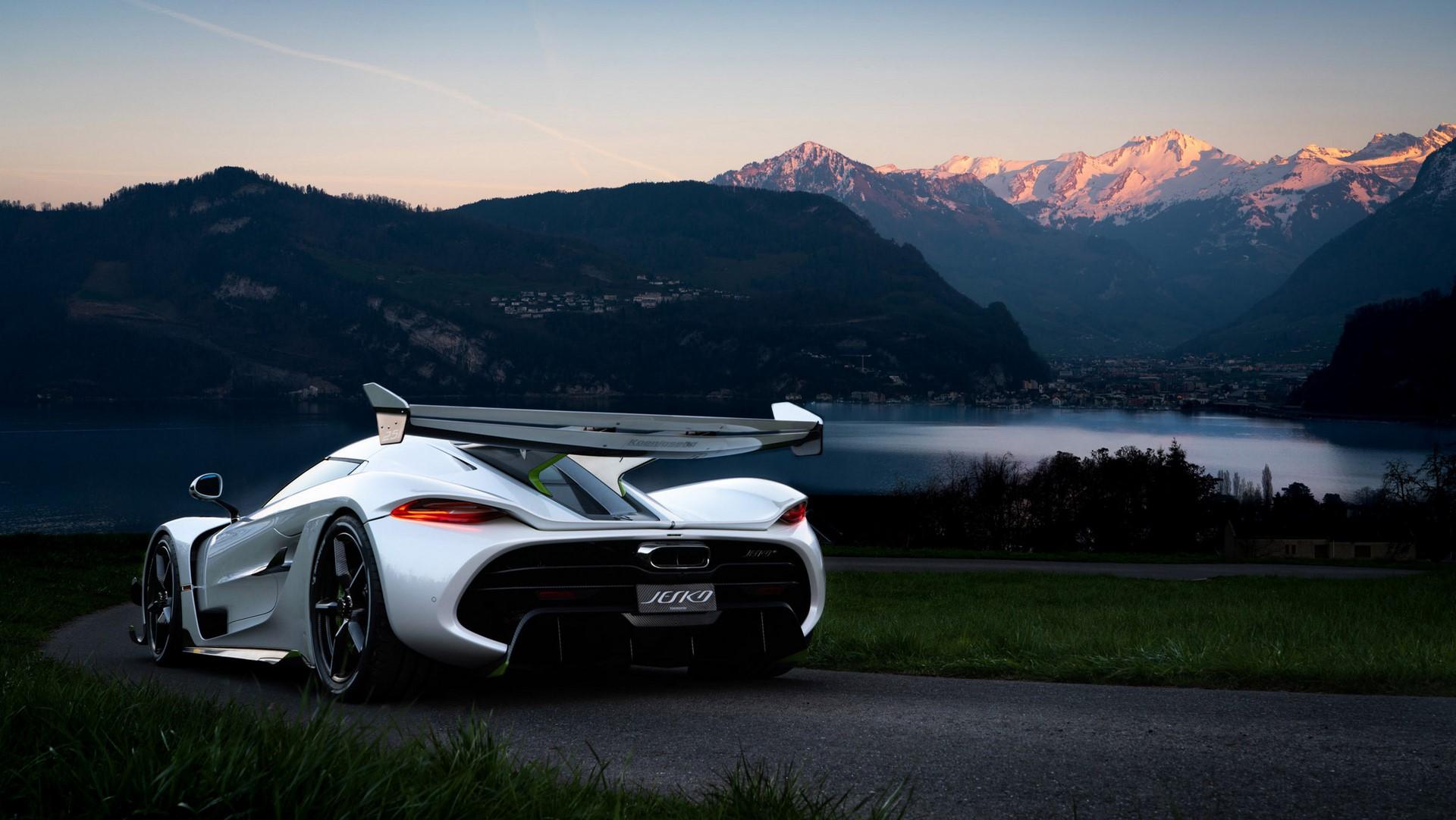 Koenigsegg-Jesko-in-Lucerne-6