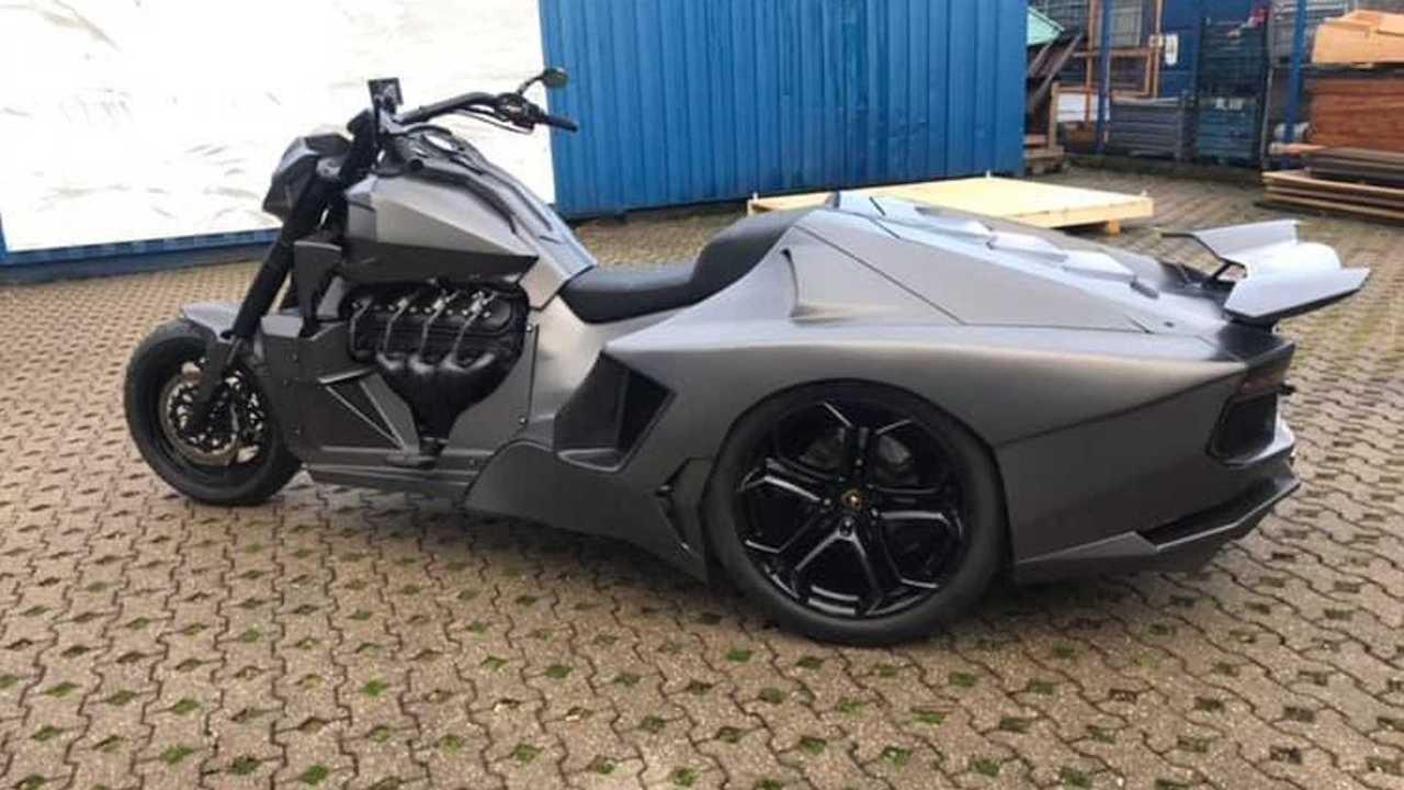 Lamborghini Aventador bike ν Boss Hoss Cycles Germany (1)