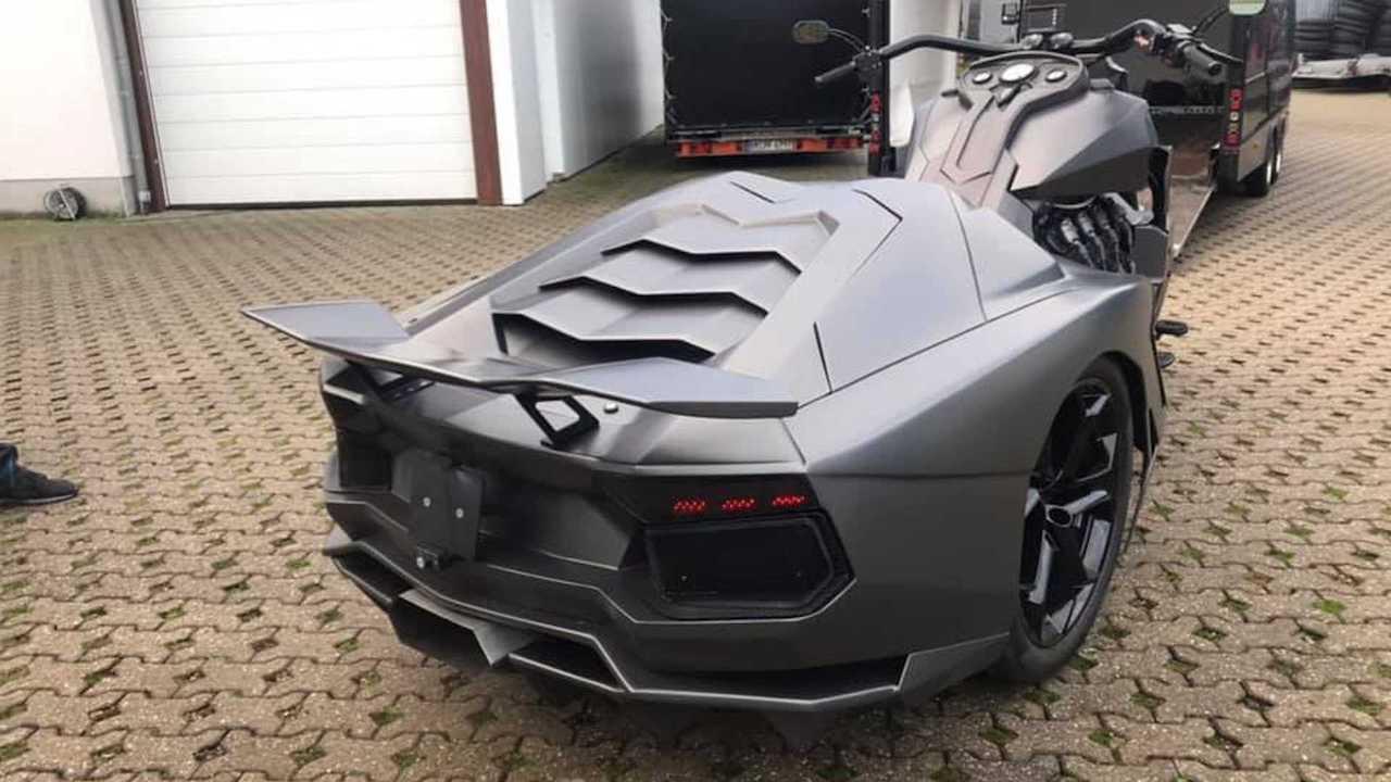 Lamborghini Aventador bike ν Boss Hoss Cycles Germany (2)