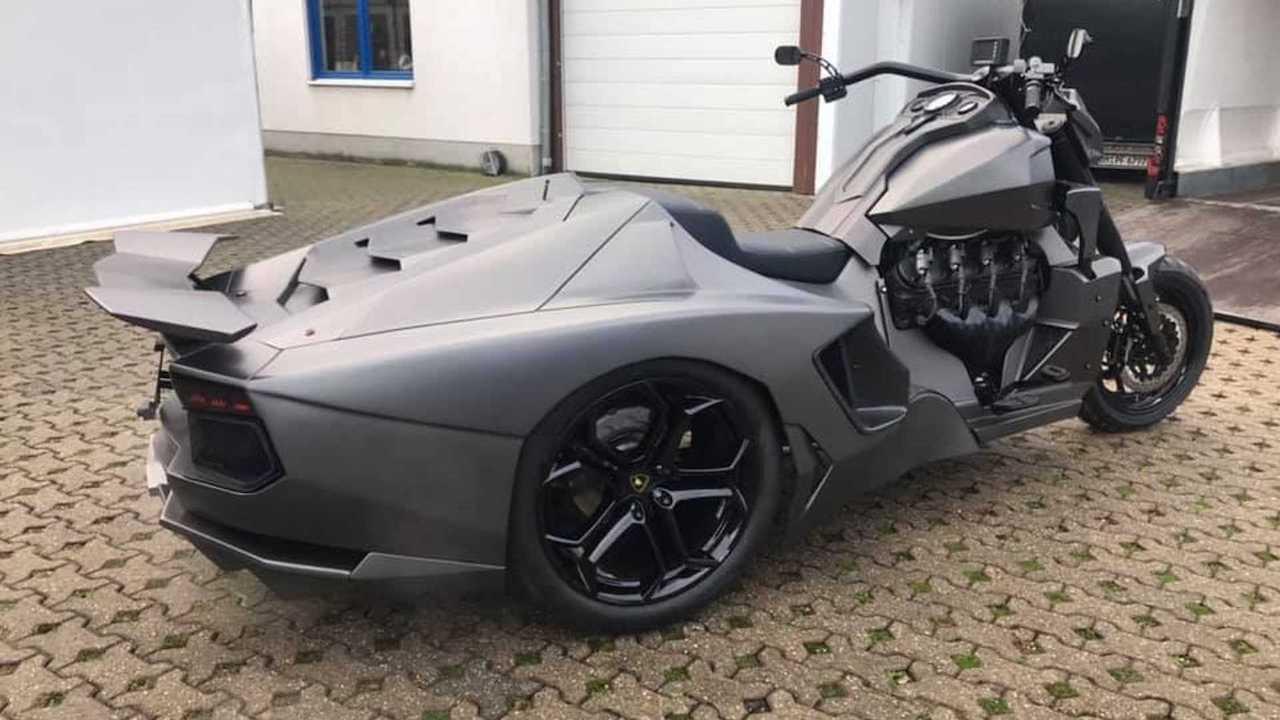 Lamborghini Aventador bike ν Boss Hoss Cycles Germany (3)