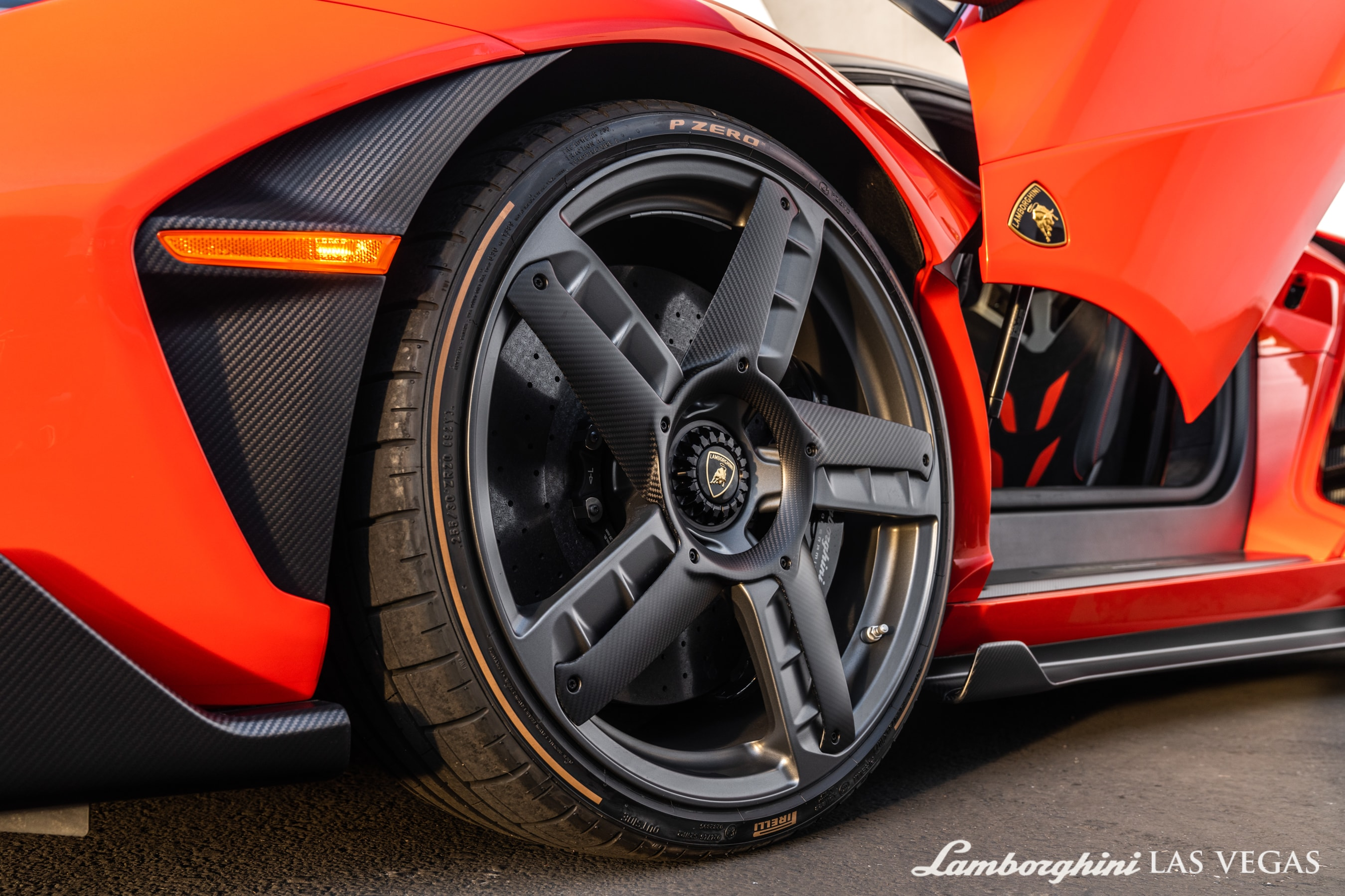 2017_Lamborghini_Centenario_for_sale_0005