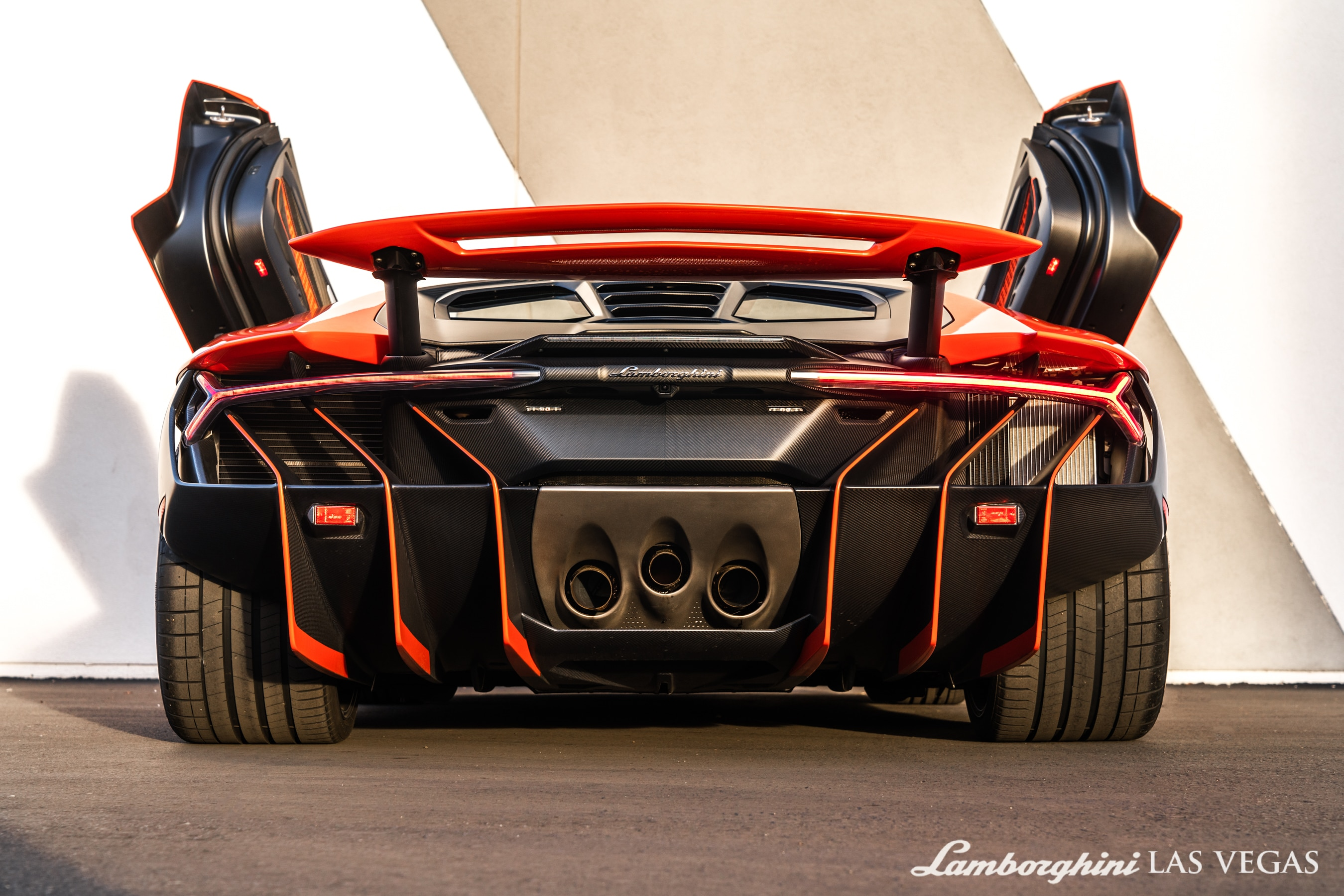 2017_Lamborghini_Centenario_for_sale_0009