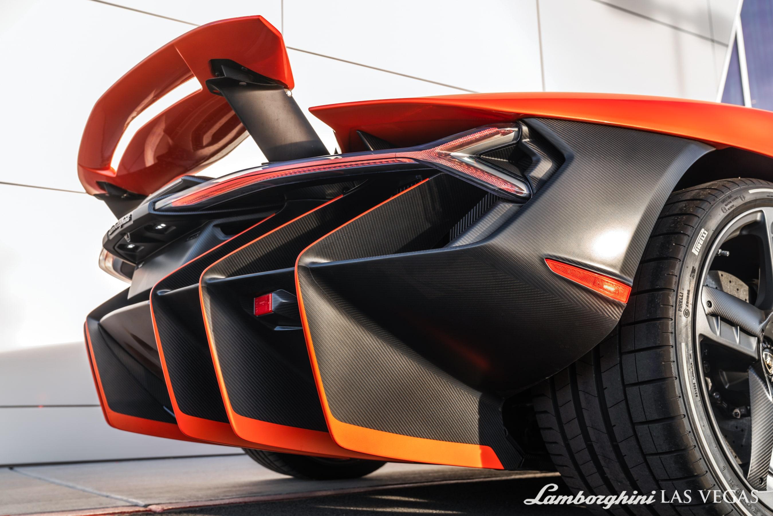 2017_Lamborghini_Centenario_for_sale_0038