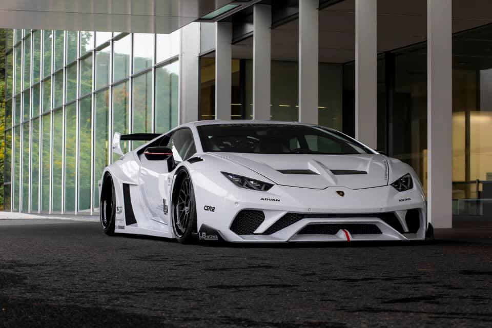 Lamborghini-Huracan-bodykit-by-Liberty-Walk-1