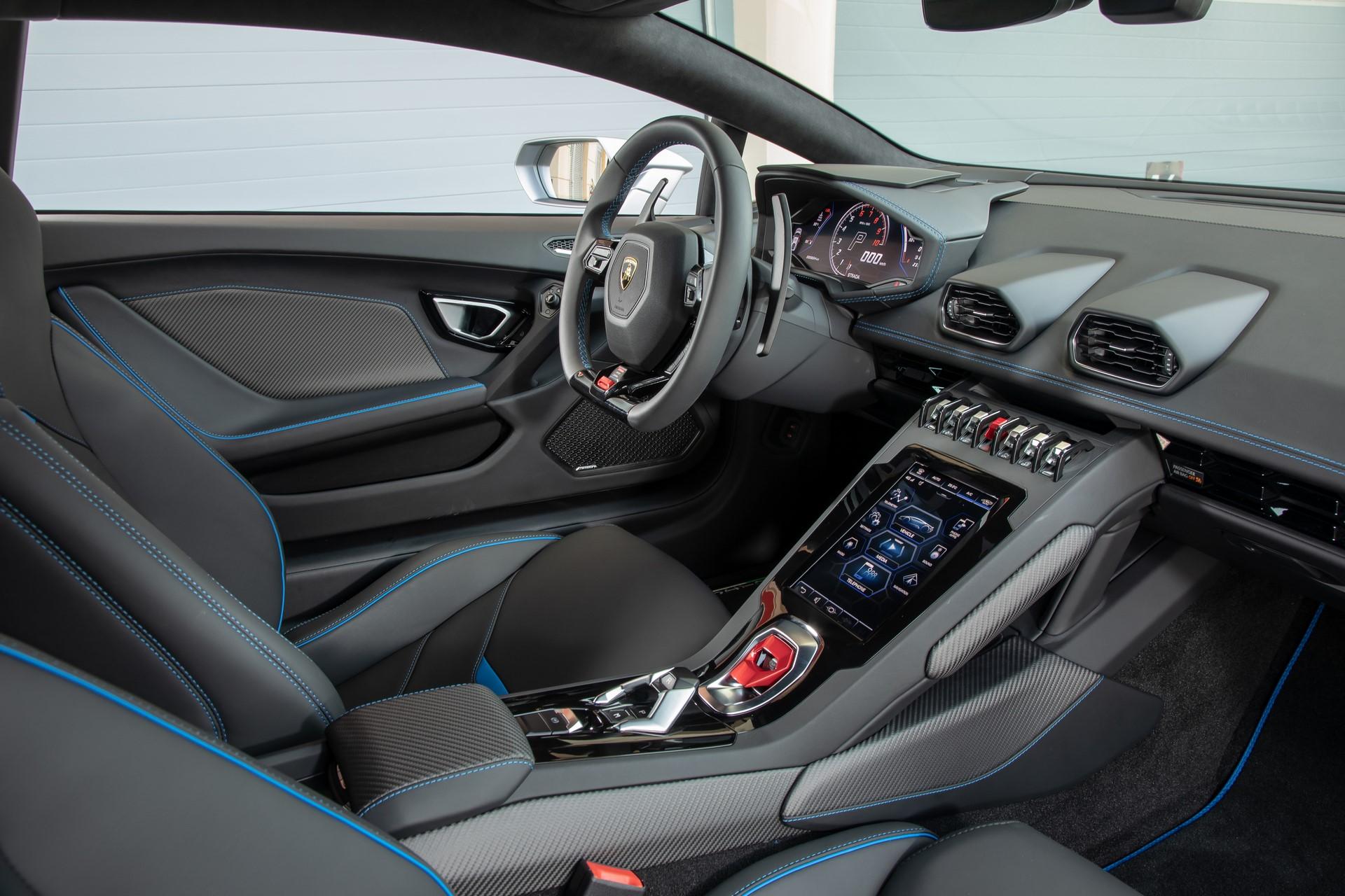 Lamborghini Huracan Evo 2019 (50)