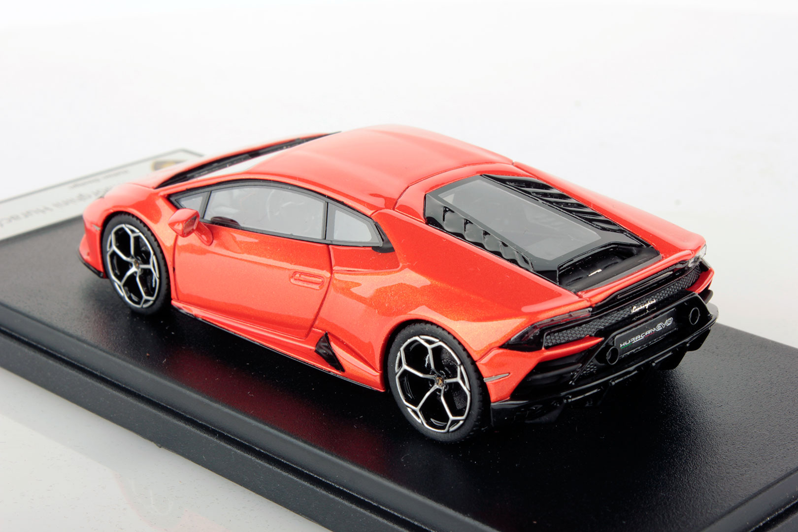 Lamborghini Huracan Evo miniature (5)