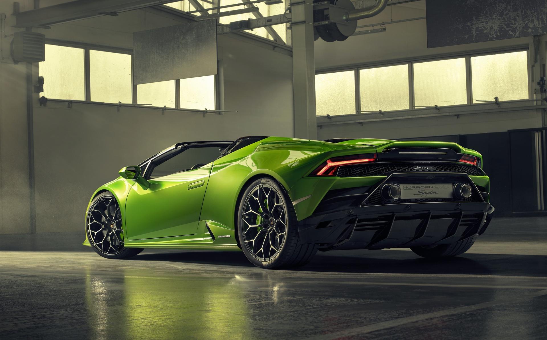 Lamborghini_Huracan_Evo_Spyder_0018