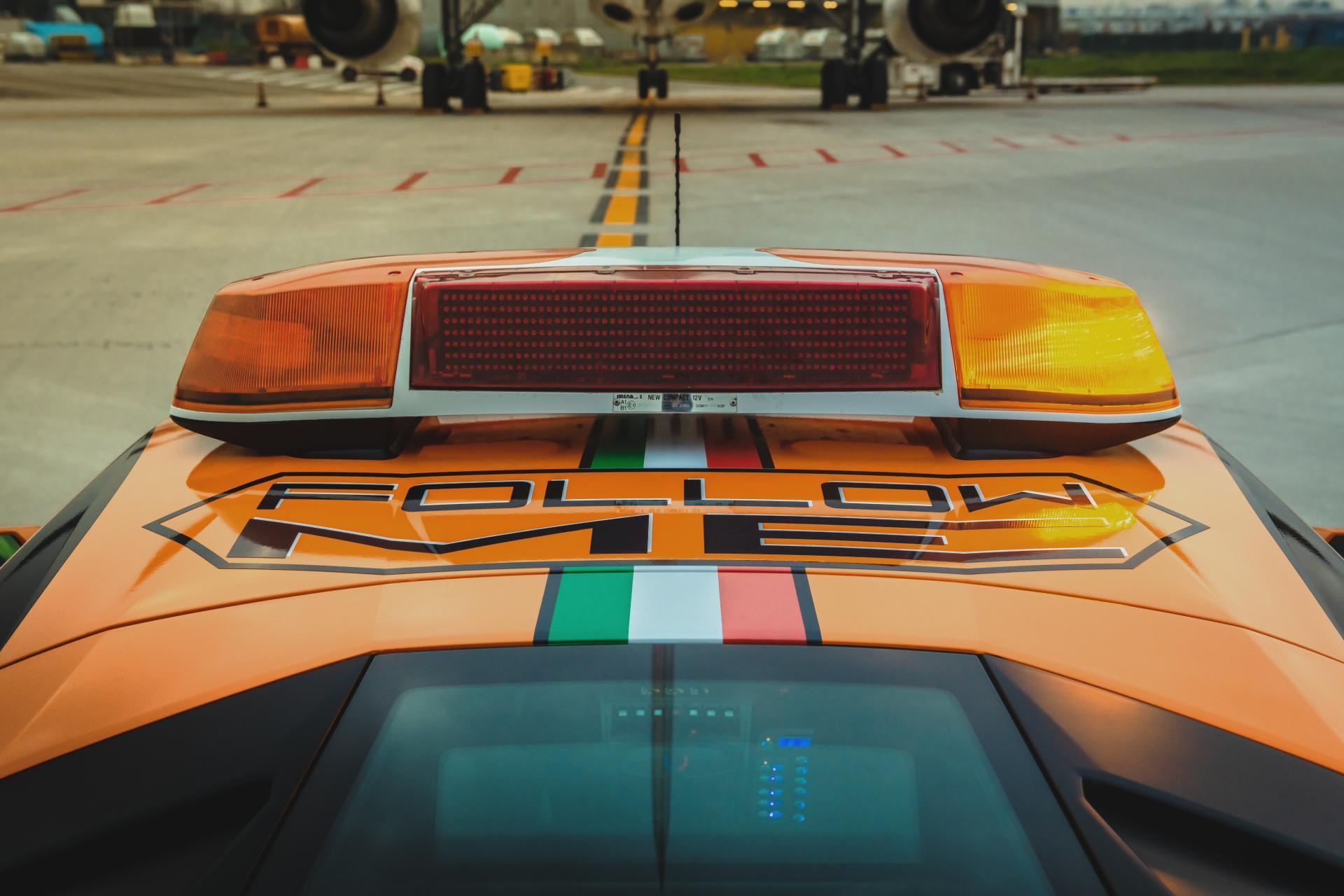 Lamborghini-Huracan-RWD-Follow-Me-Car-Bologna-Airport-11