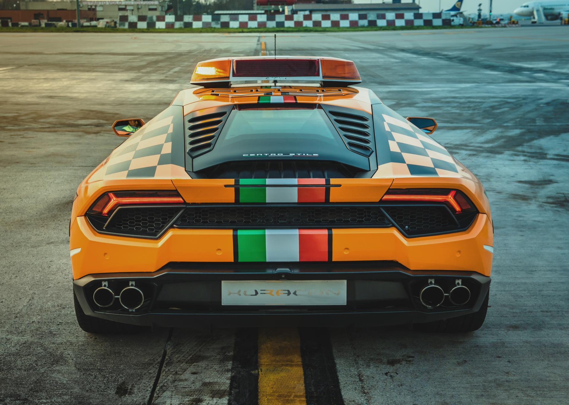 Lamborghini-Huracan-RWD-Follow-Me-Car-Bologna-Airport-9