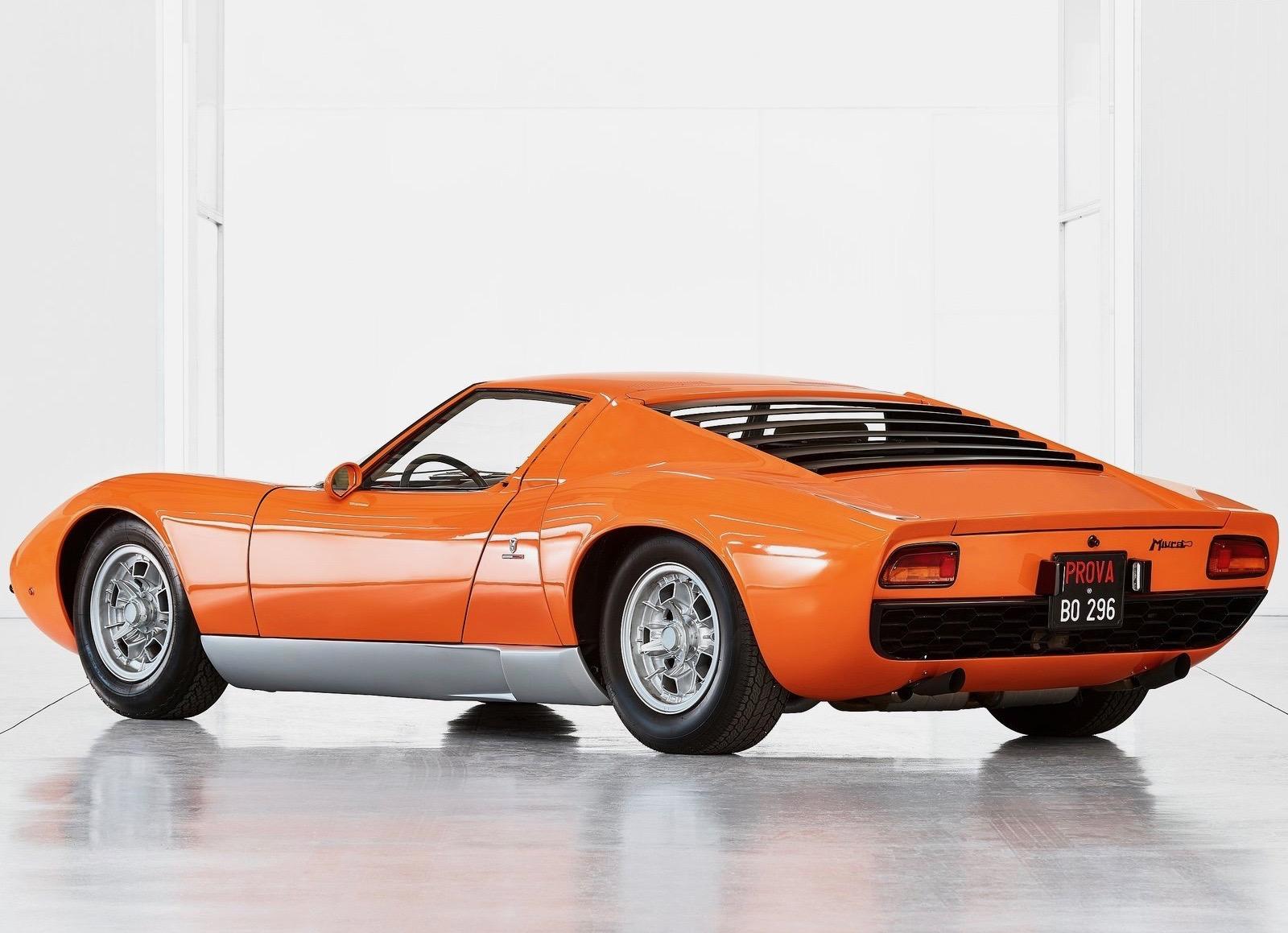 Lamborghini_Miura_P400_Italian_Job_0003