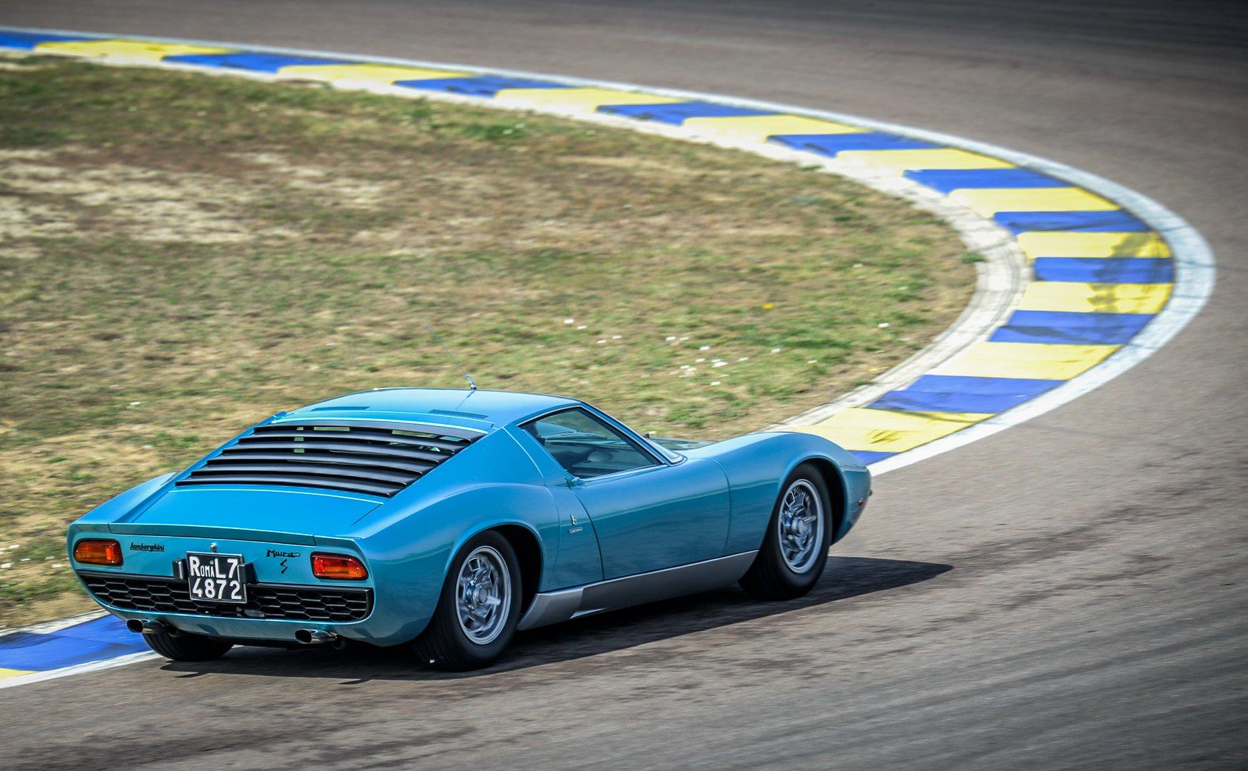 Lamborghini-Miura-P400-S-Azzurro-Mexico-13