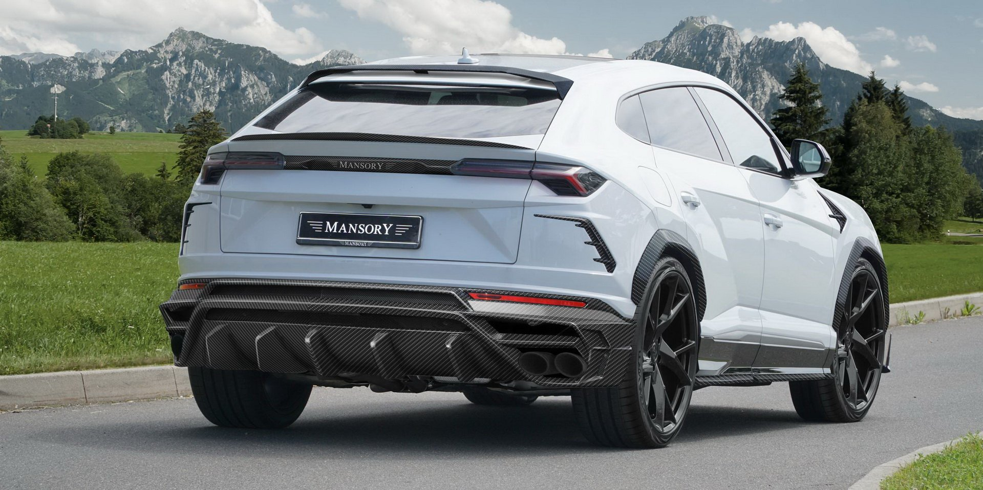 Lamborghini-Urus-by-Urus-2