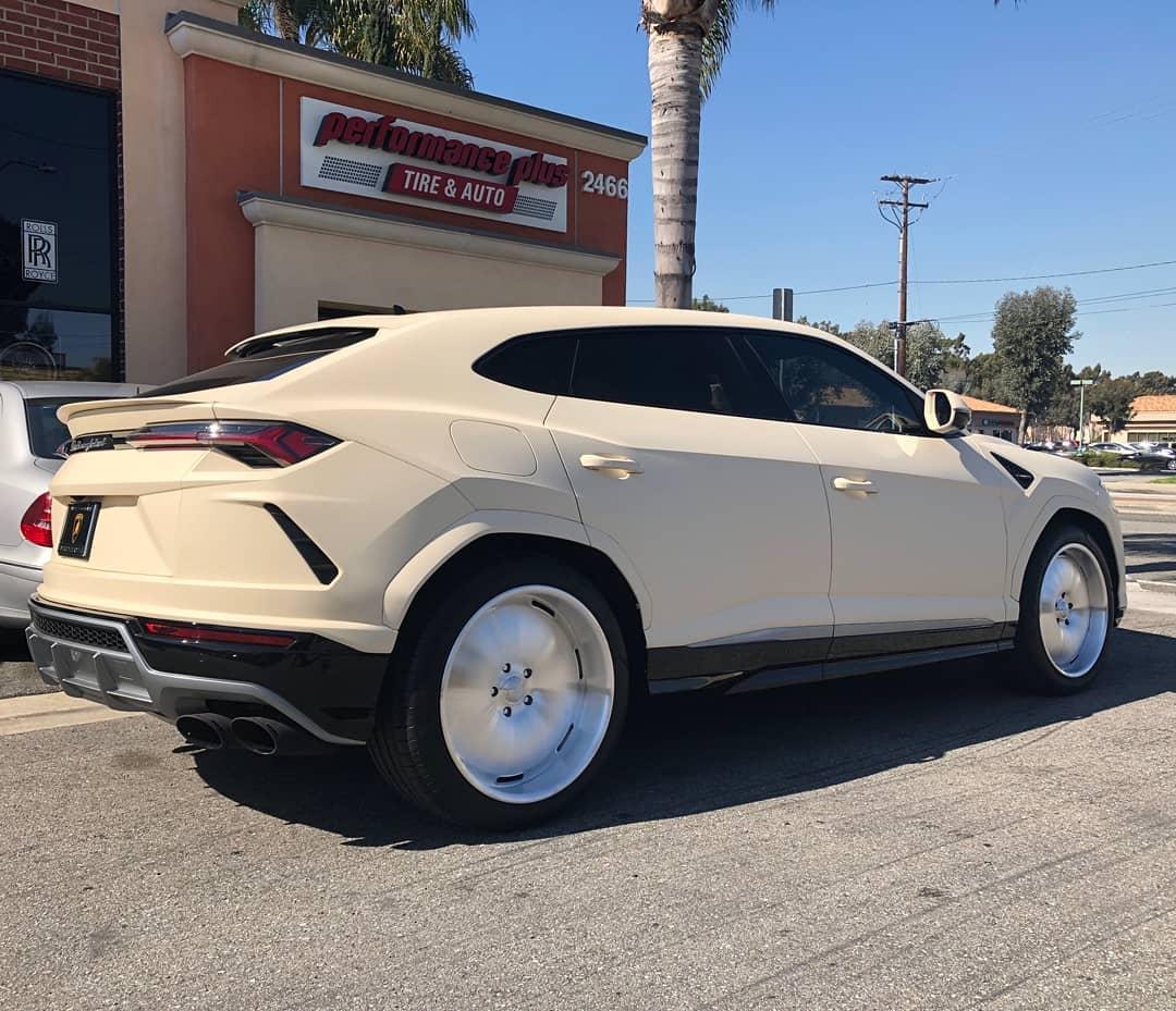 Lamborghini Urus Kanye West (2)