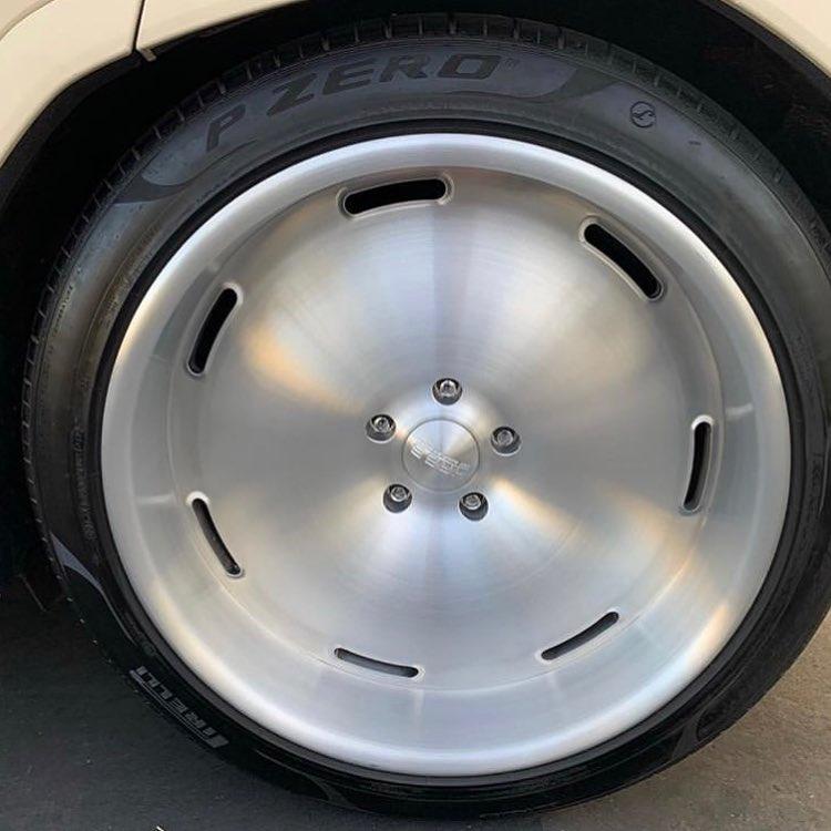 Lamborghini Urus Kanye West (5)