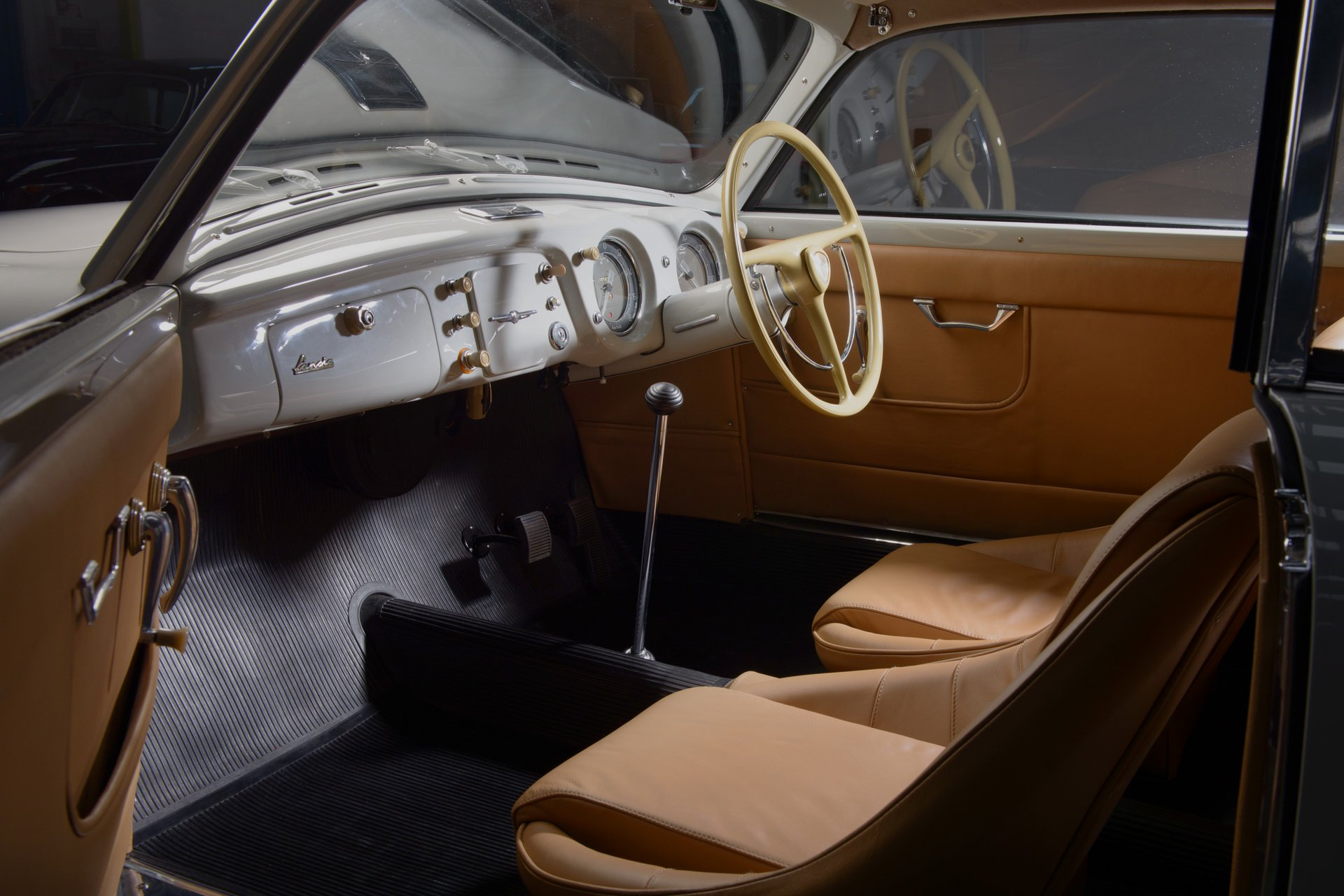 Lancia-Aurelia-B20-GT-restored-14