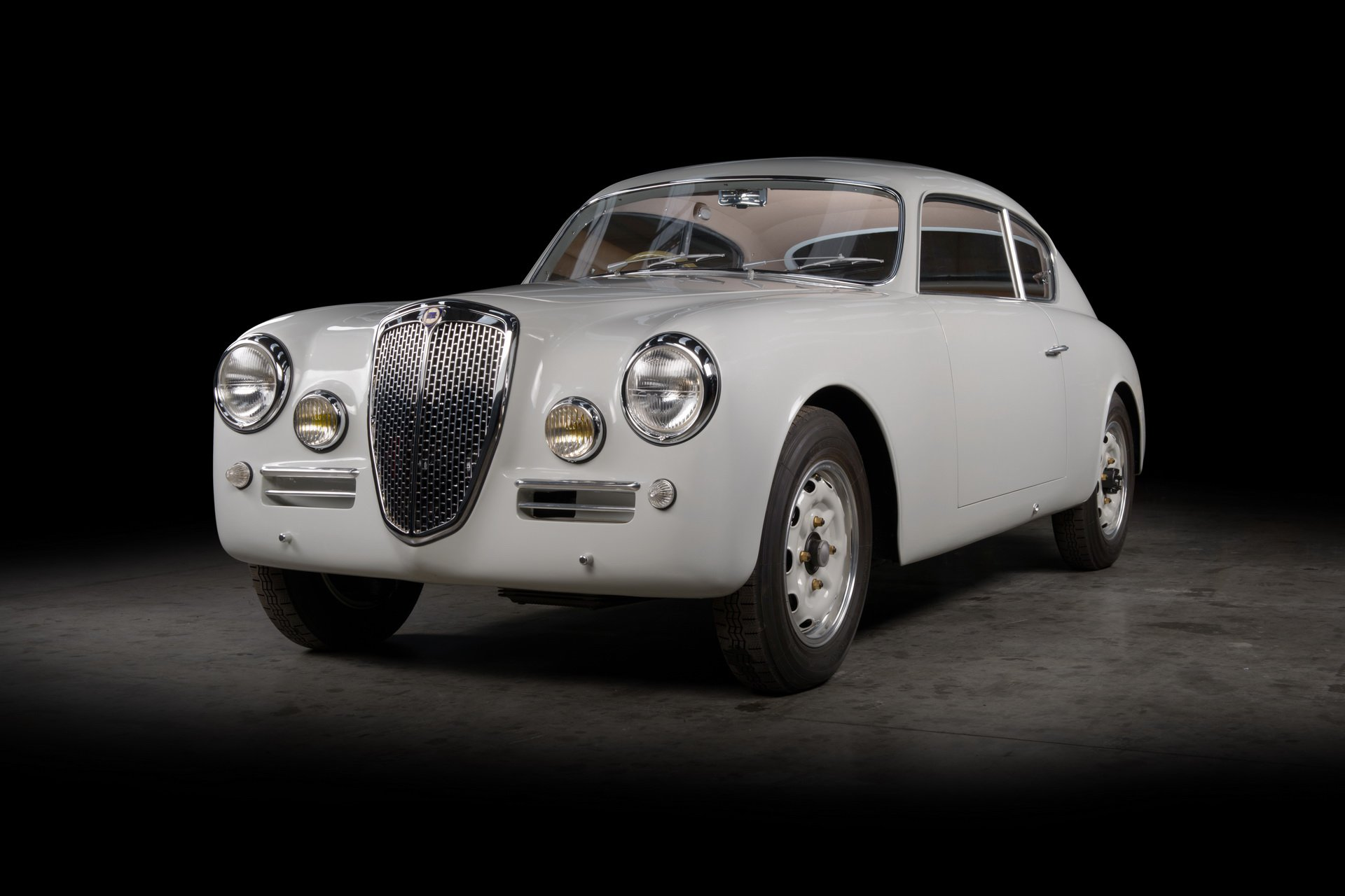 Lancia-Aurelia-B20-GT-restored-6