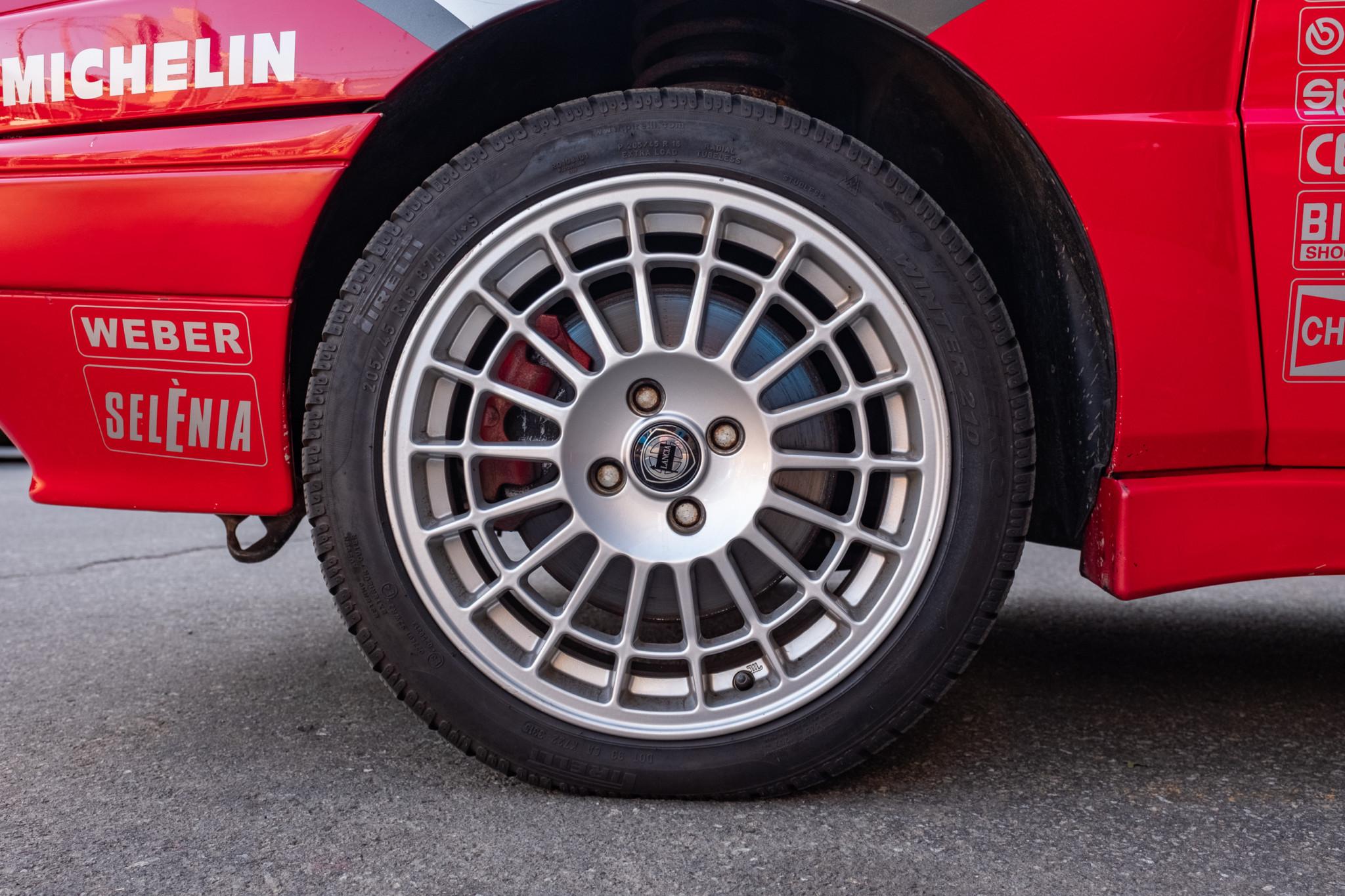 Lancia-Delta-Integrale-1989-for-sale-47