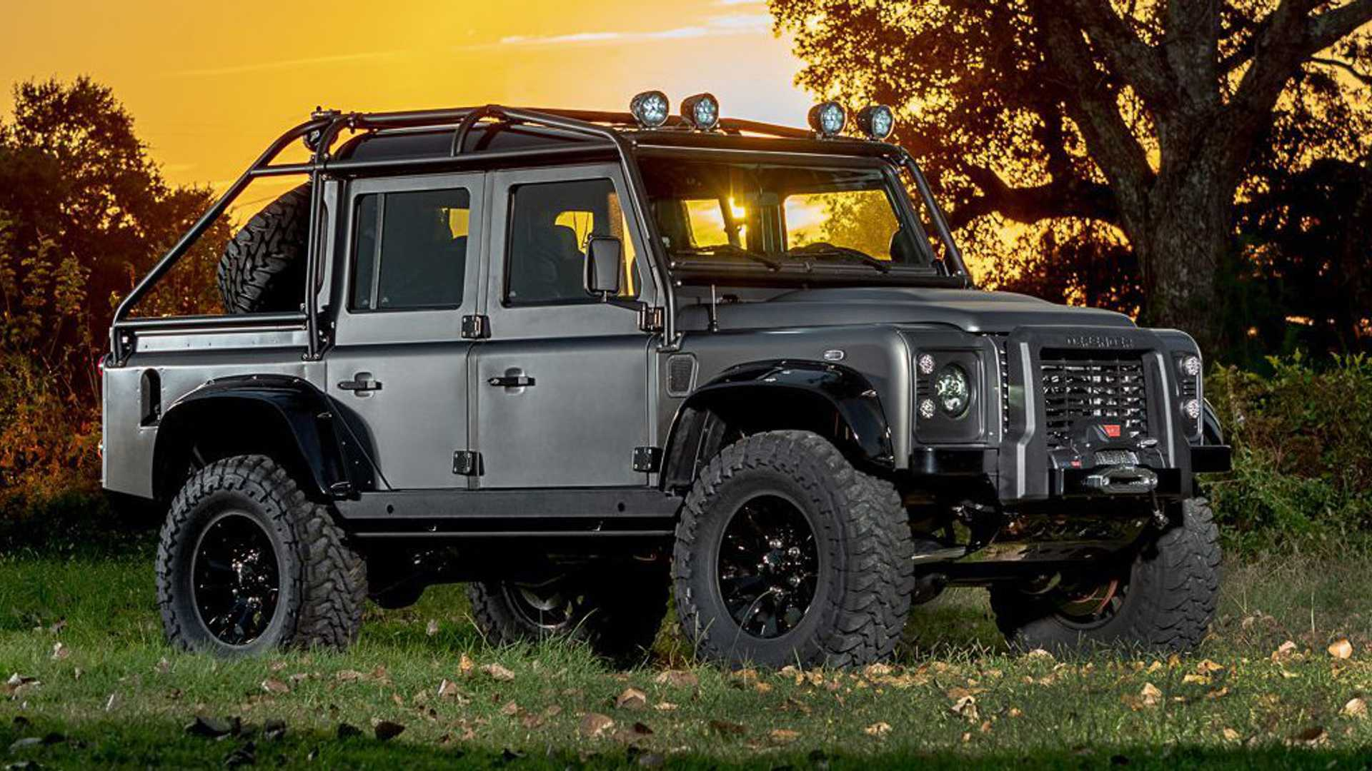 himalaya-land-rover-defender-spectre