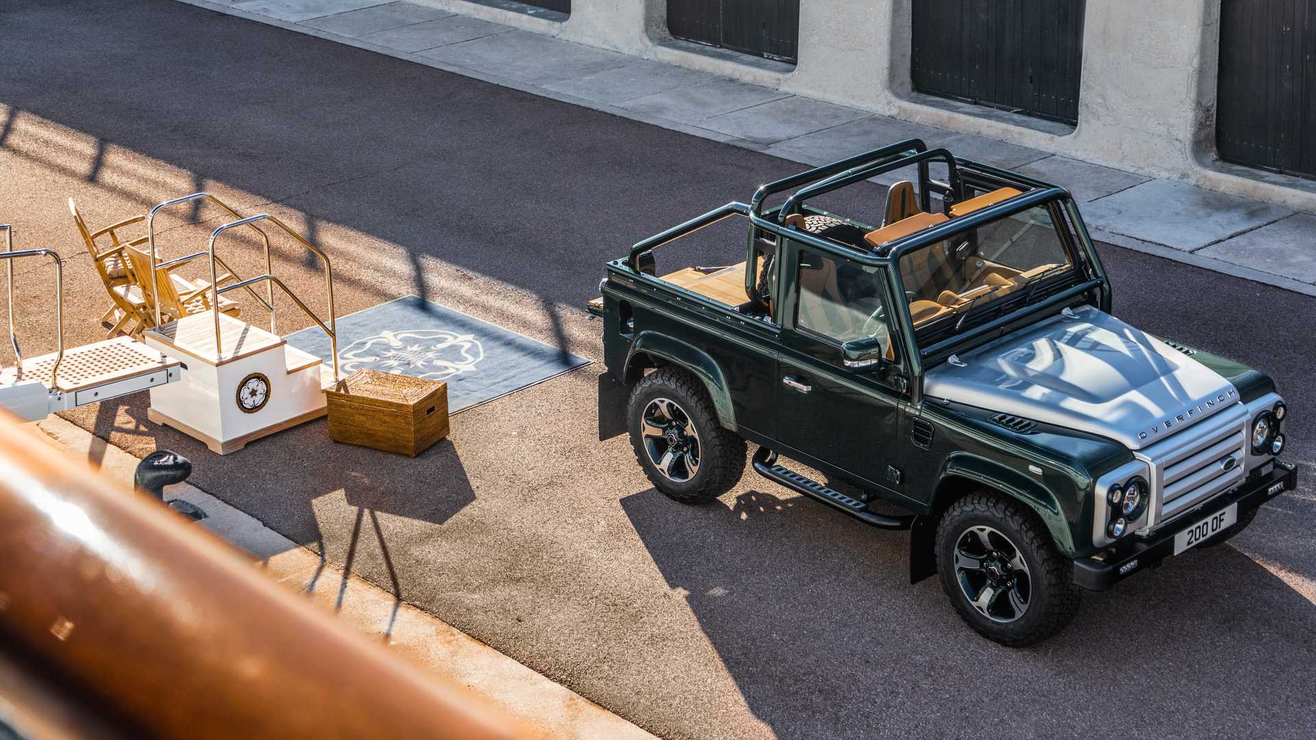 Land_Rover_Defender_Soft_Top_by_Overfinch_0000