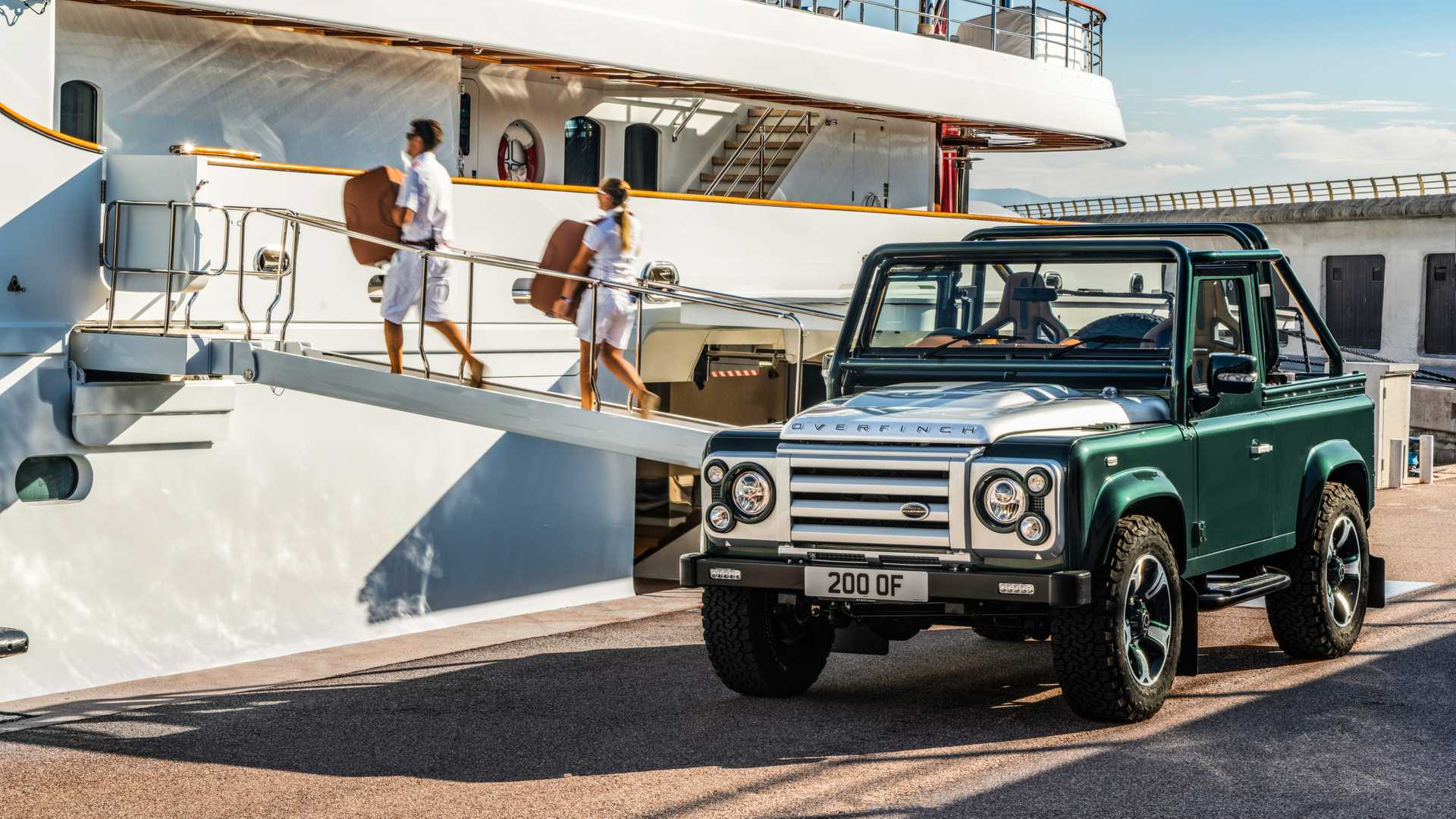 Land_Rover_Defender_Soft_Top_by_Overfinch_0011
