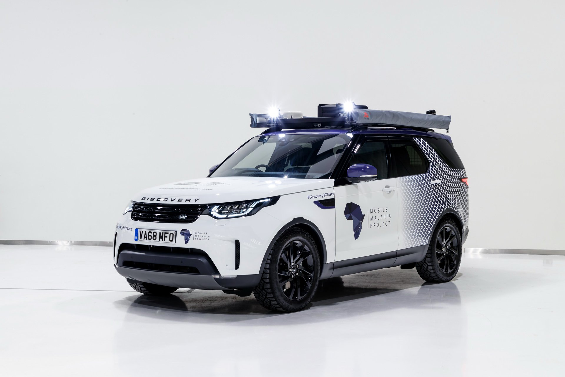 Land Rover Discovery Mobile Malaria Project (1)